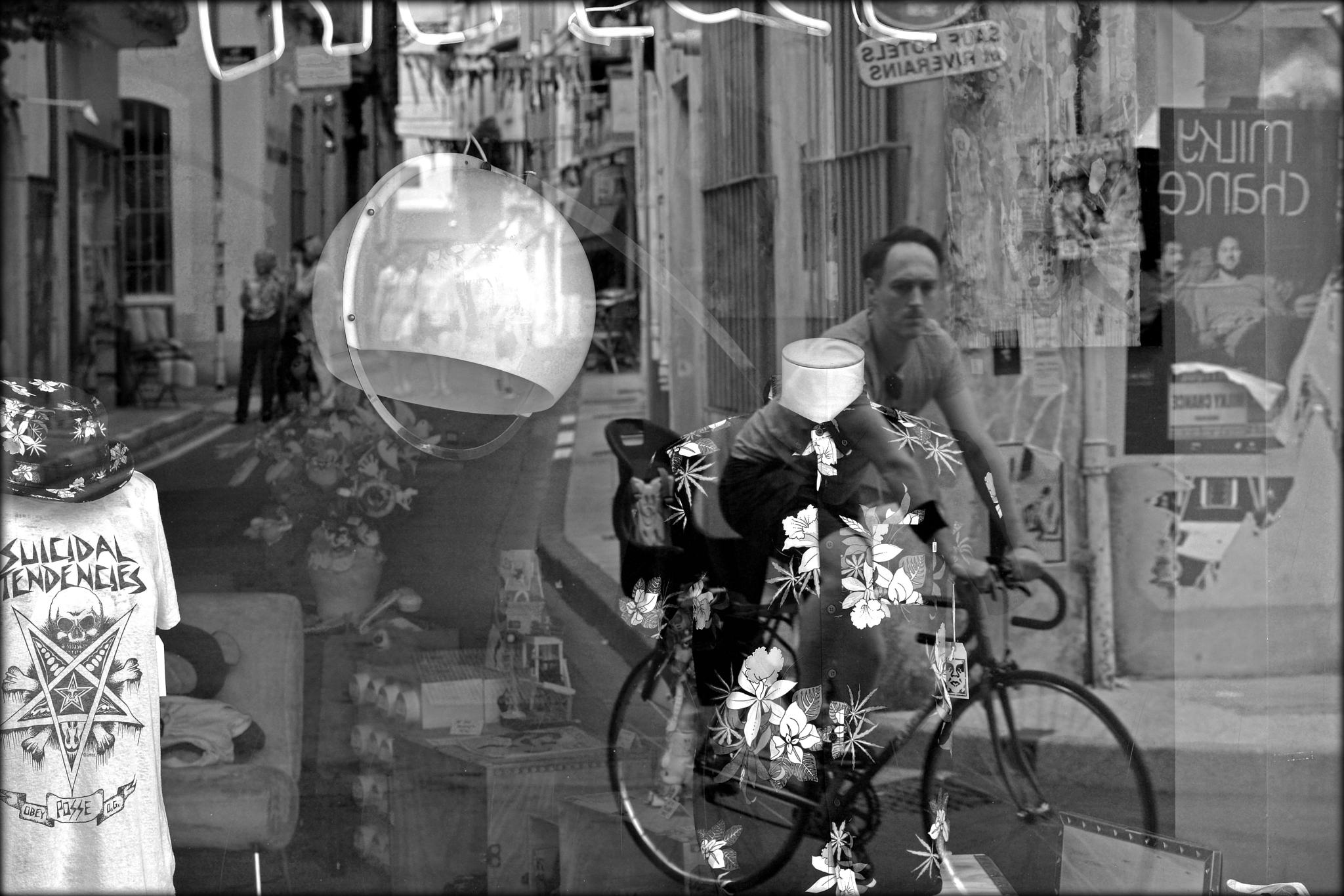 Photo in Street Photography #street #reflection #arles