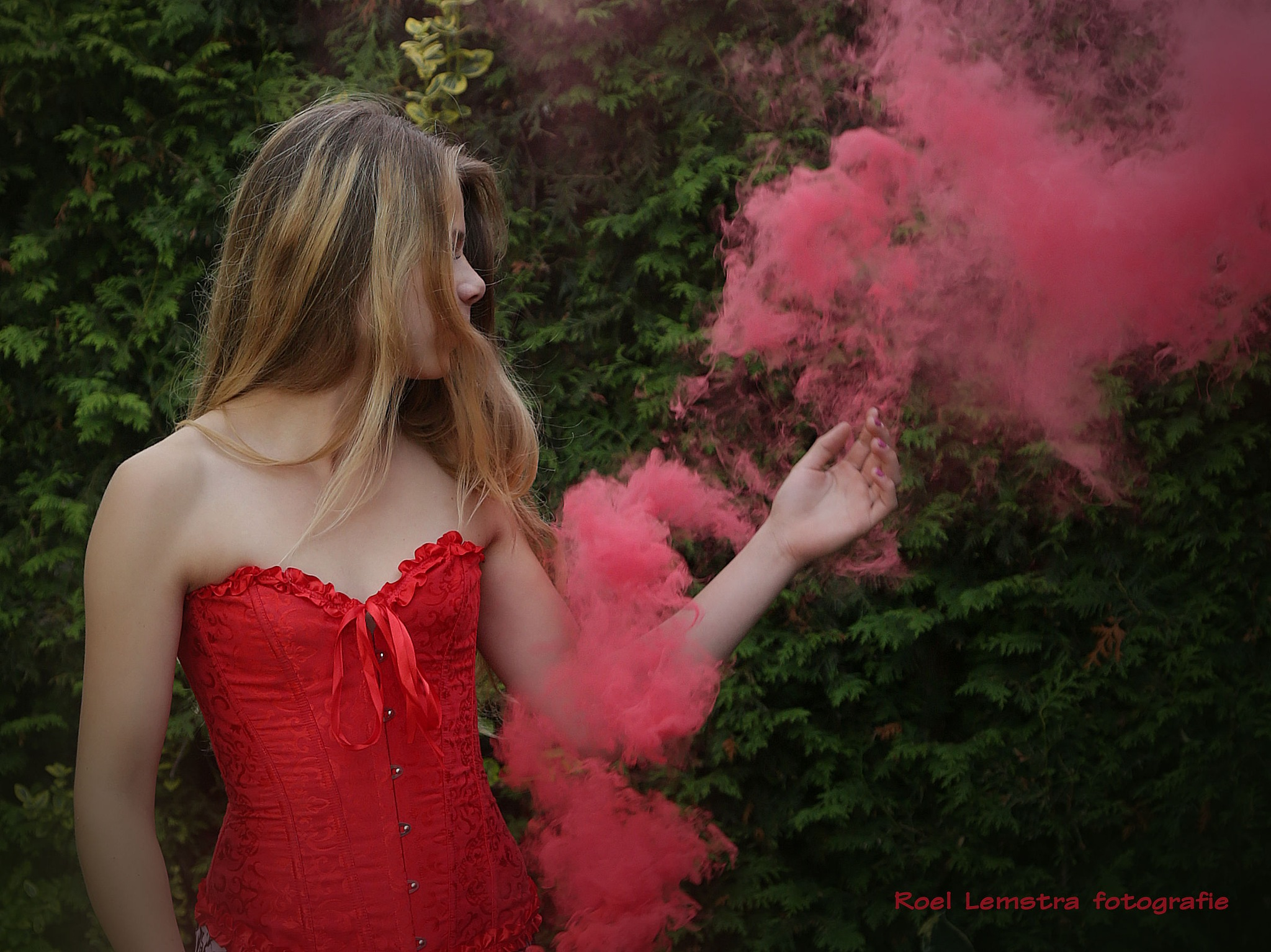 ... red corset and smoke ... by roel.lemstra