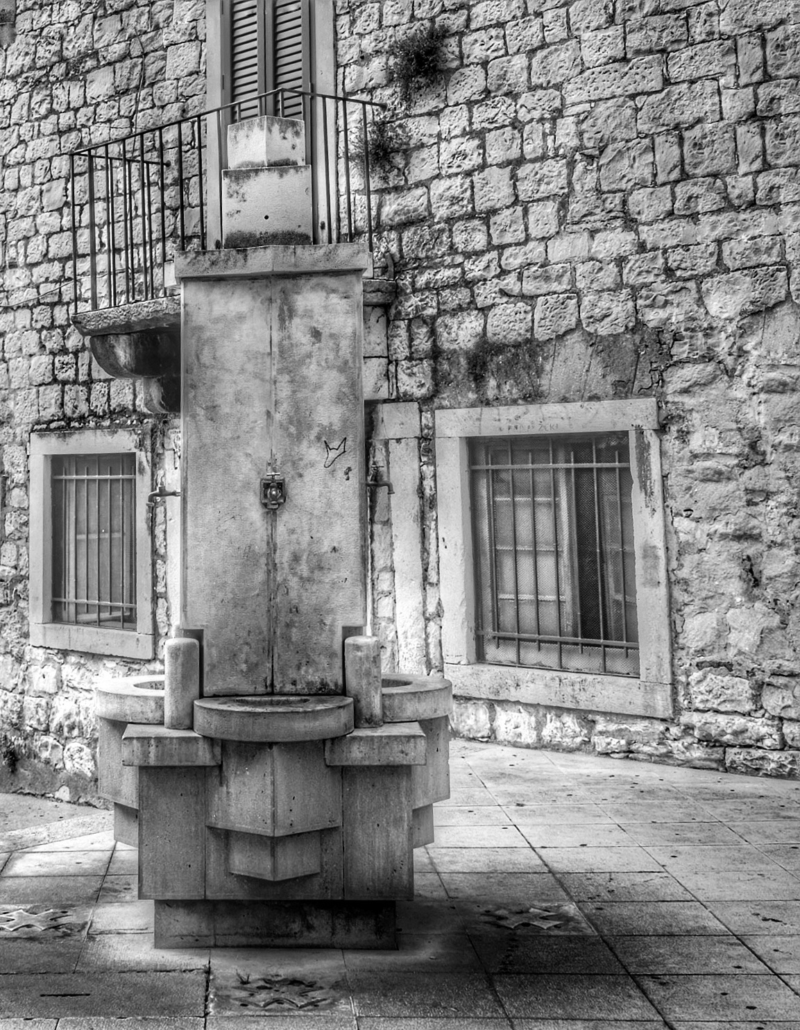 Water Fountain...bw240501 by Michael jjg