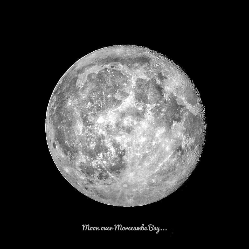 Full Moon by Michael jjg