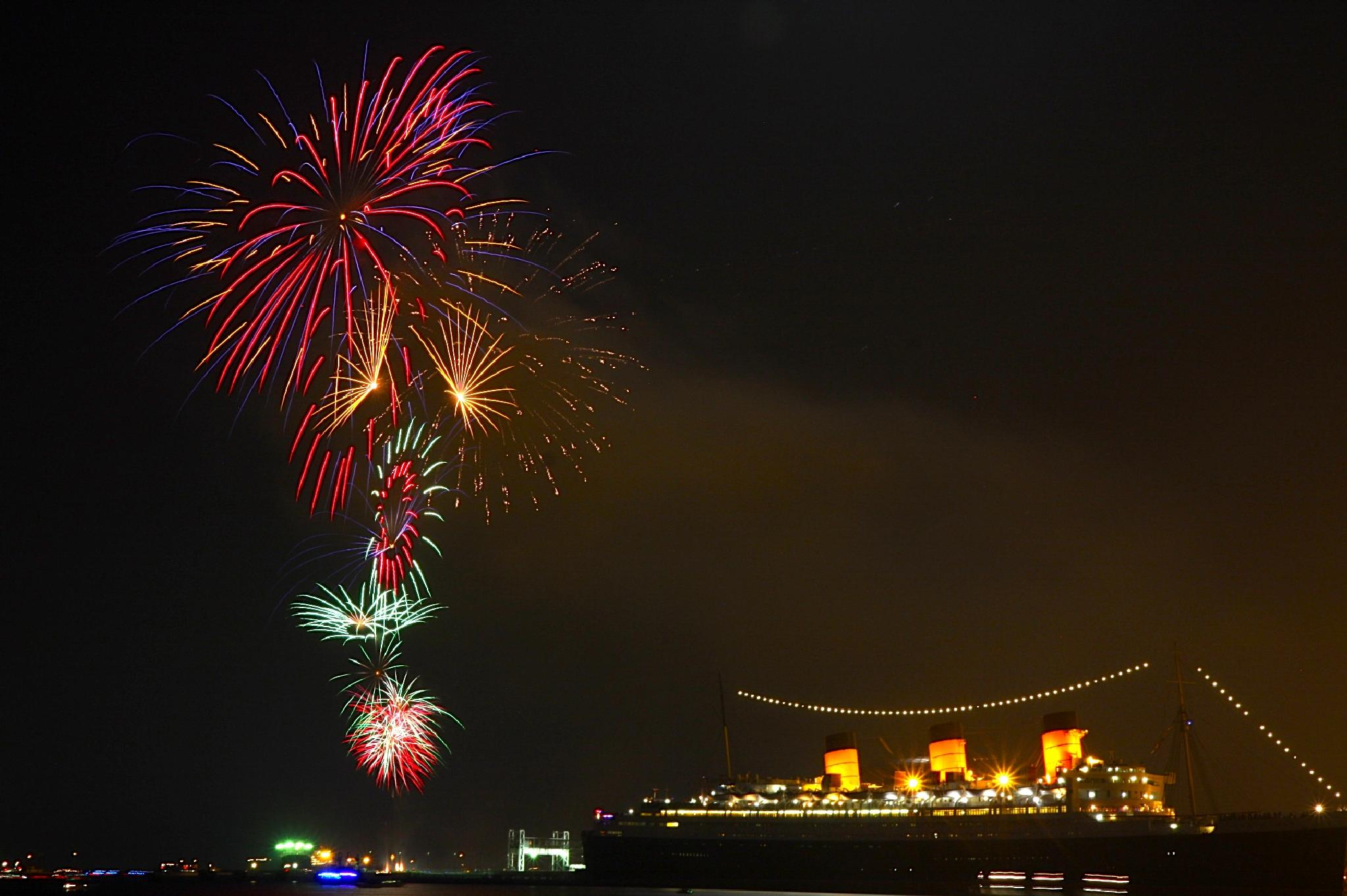 Fireworks Queen Mary by 2003zhp