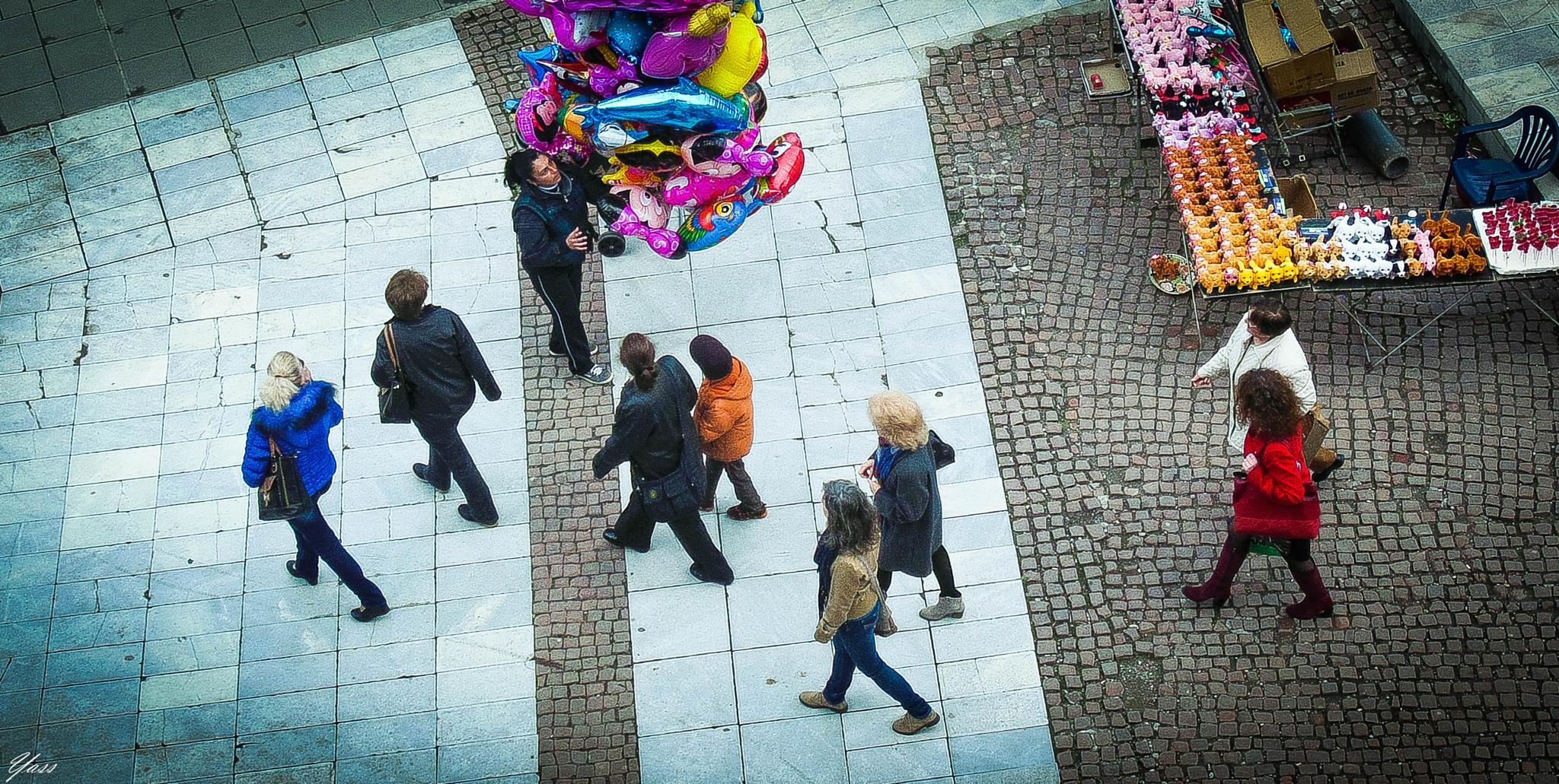 Balloon vendor by yassen.botcharov
