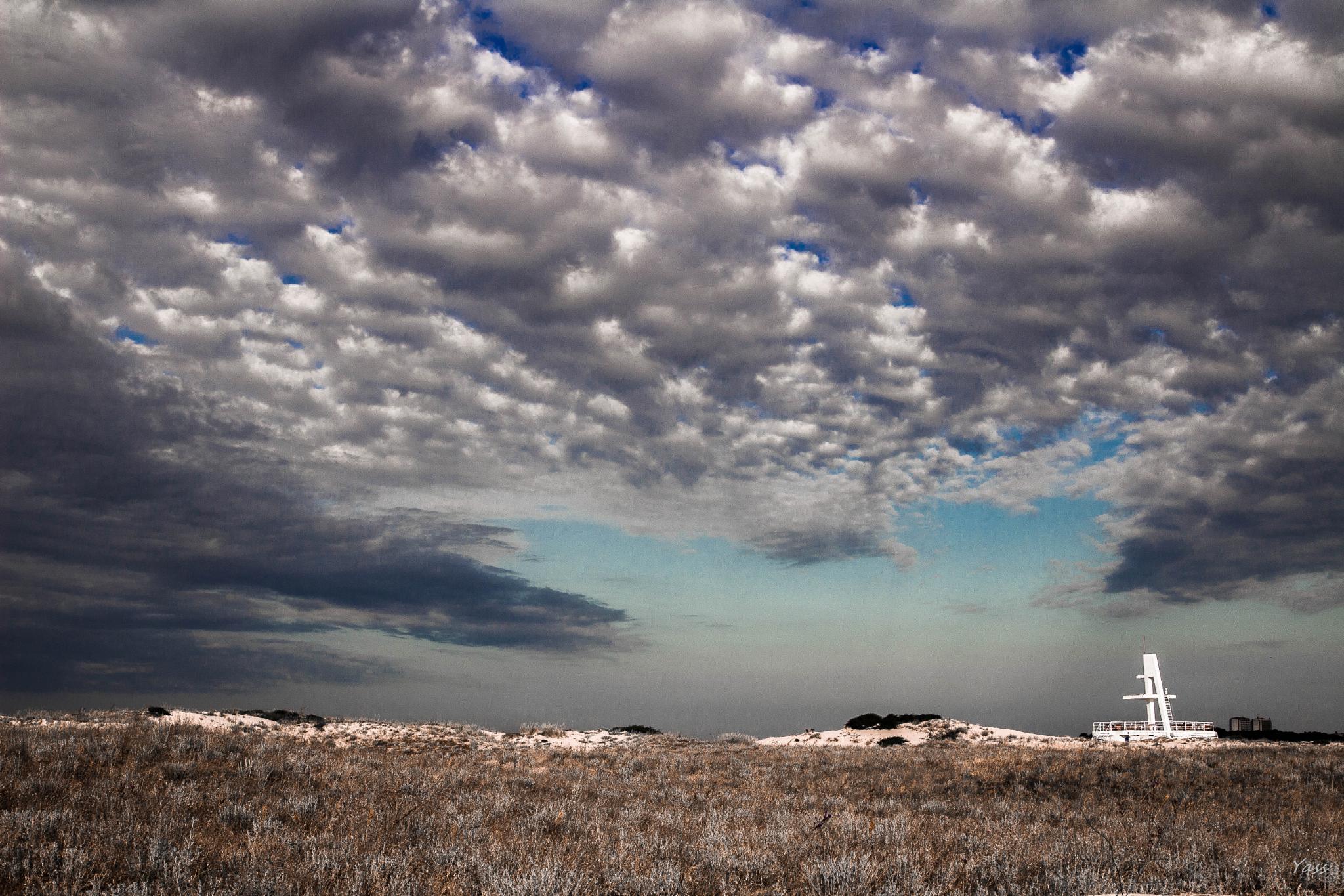 evening sky by yassen.botcharov