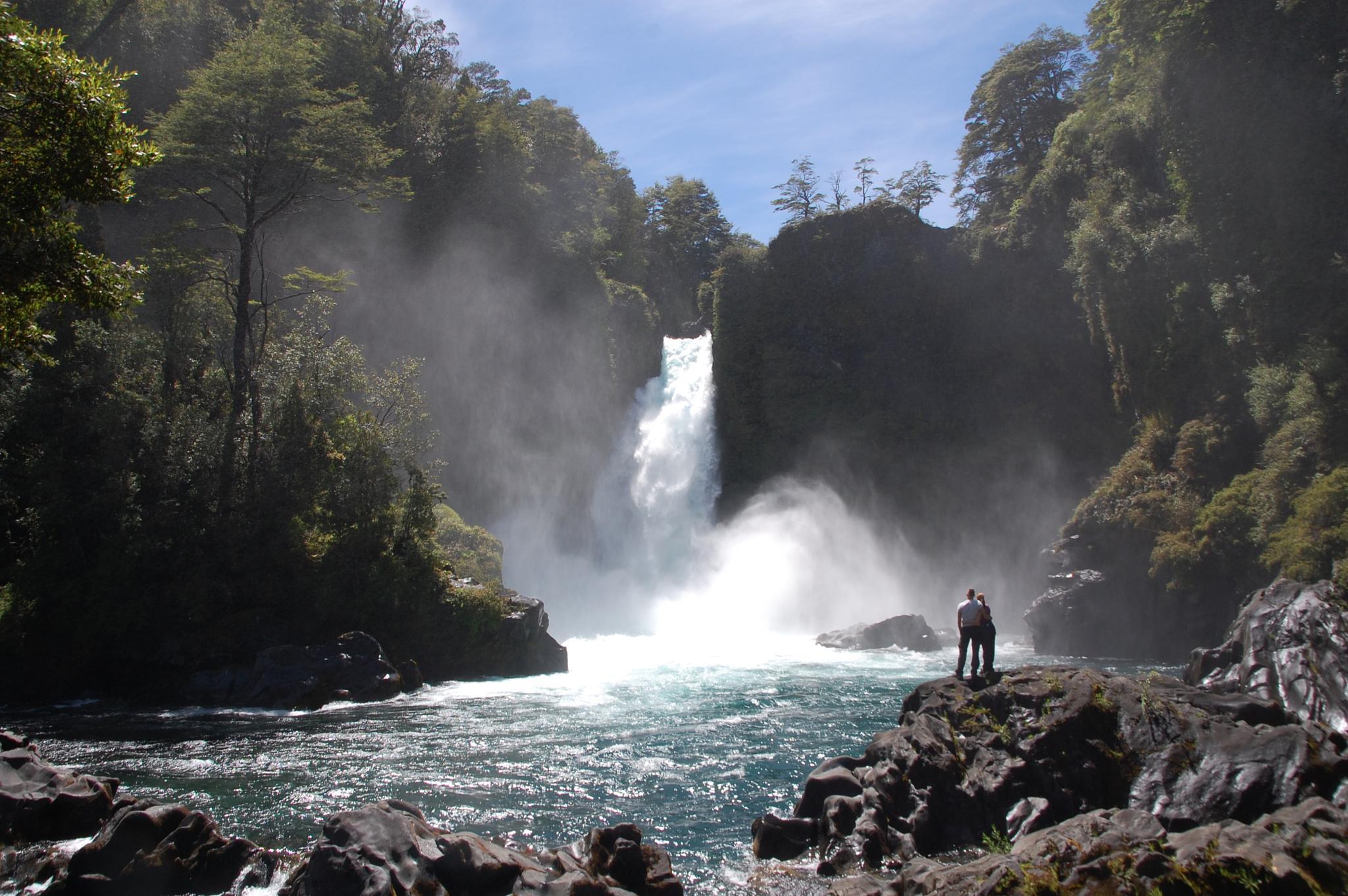 Waterfall by blauwerat