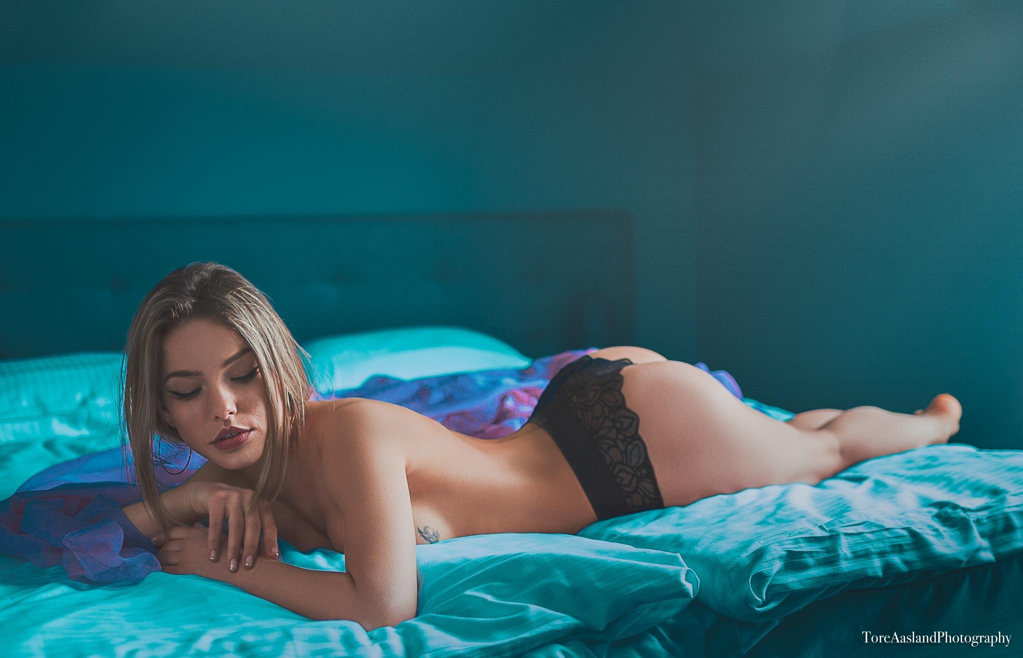 Sara 2 by ToreAaslandPhotography