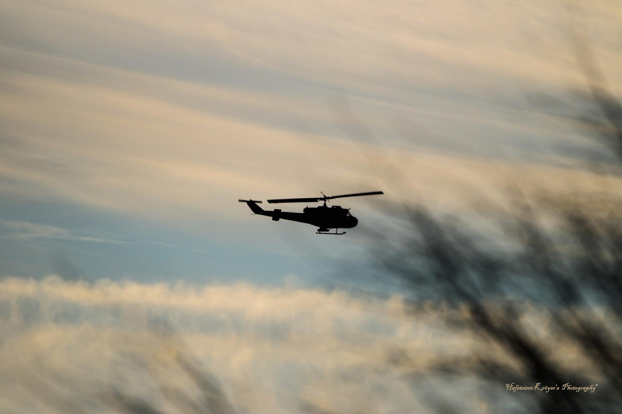 helicopter silhouette by Hafsteinn Kröyer Eiðsson