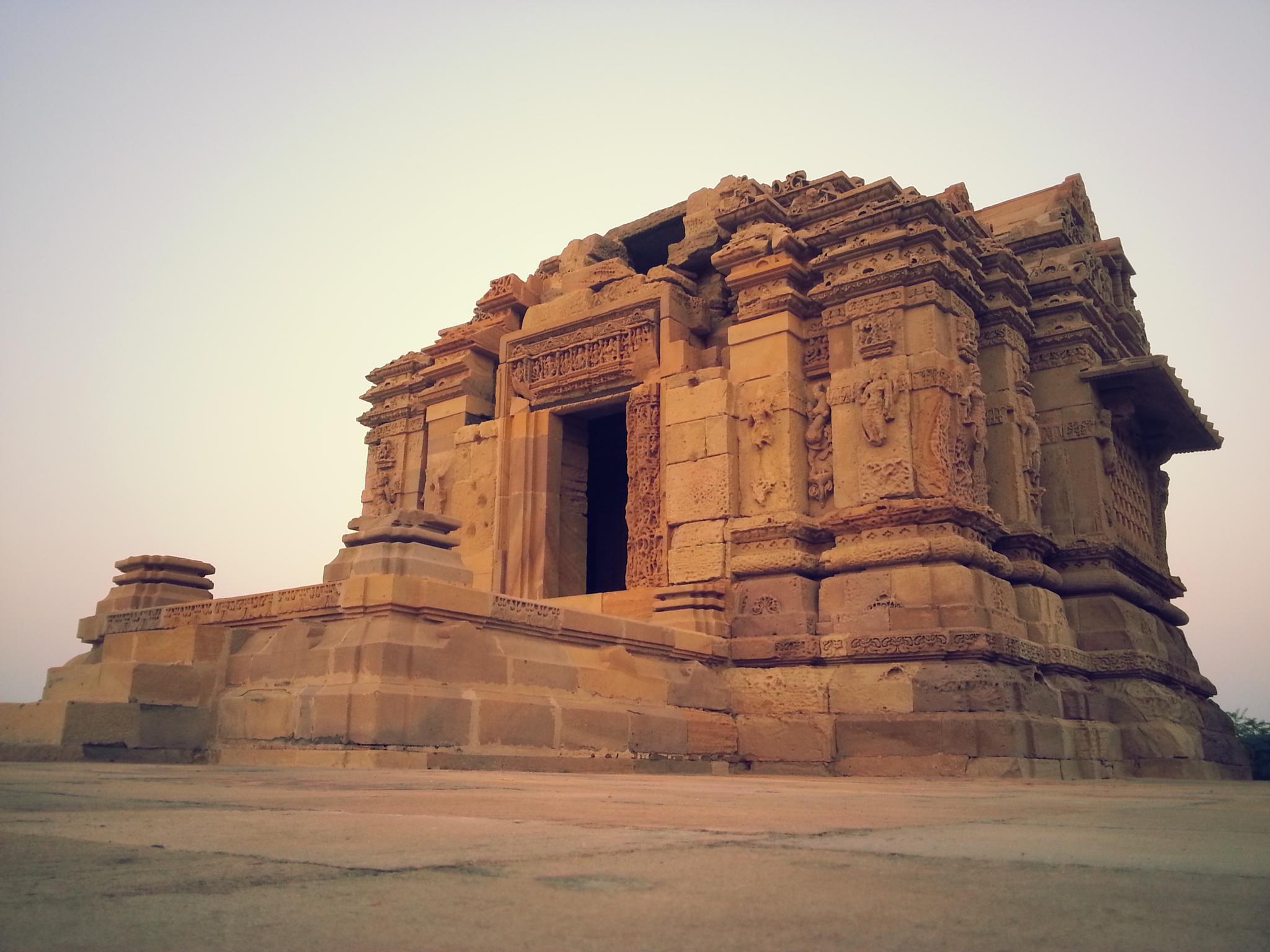Surya Mandir  Kotay ( Kutch - Gujarat - India ) by nmajethiya