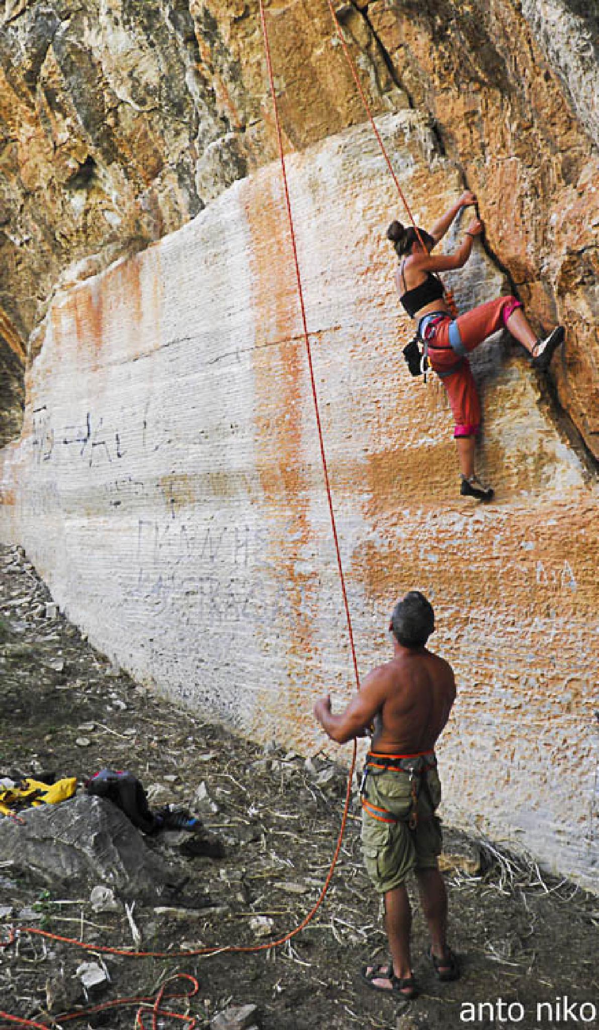 climbing by peskandritsa