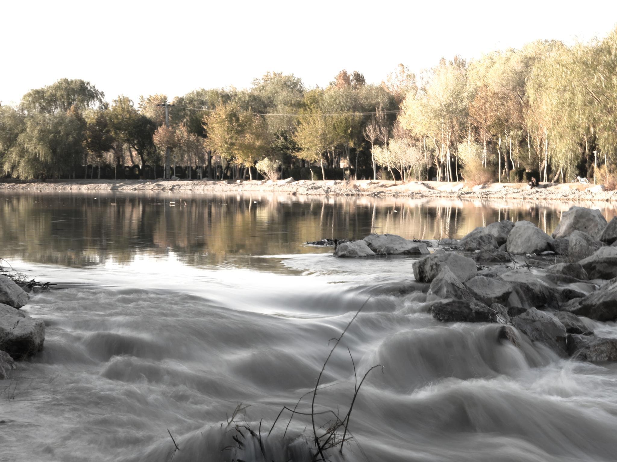 Zayandeh River by Ali Ghorbani