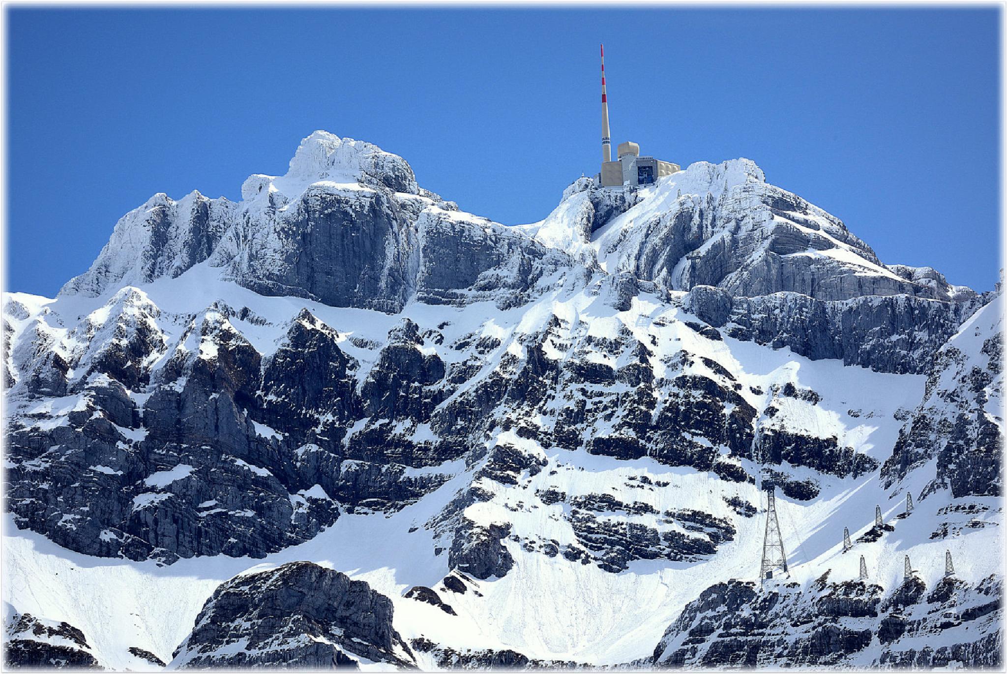 """mountain top 3."" by BauerStefan"