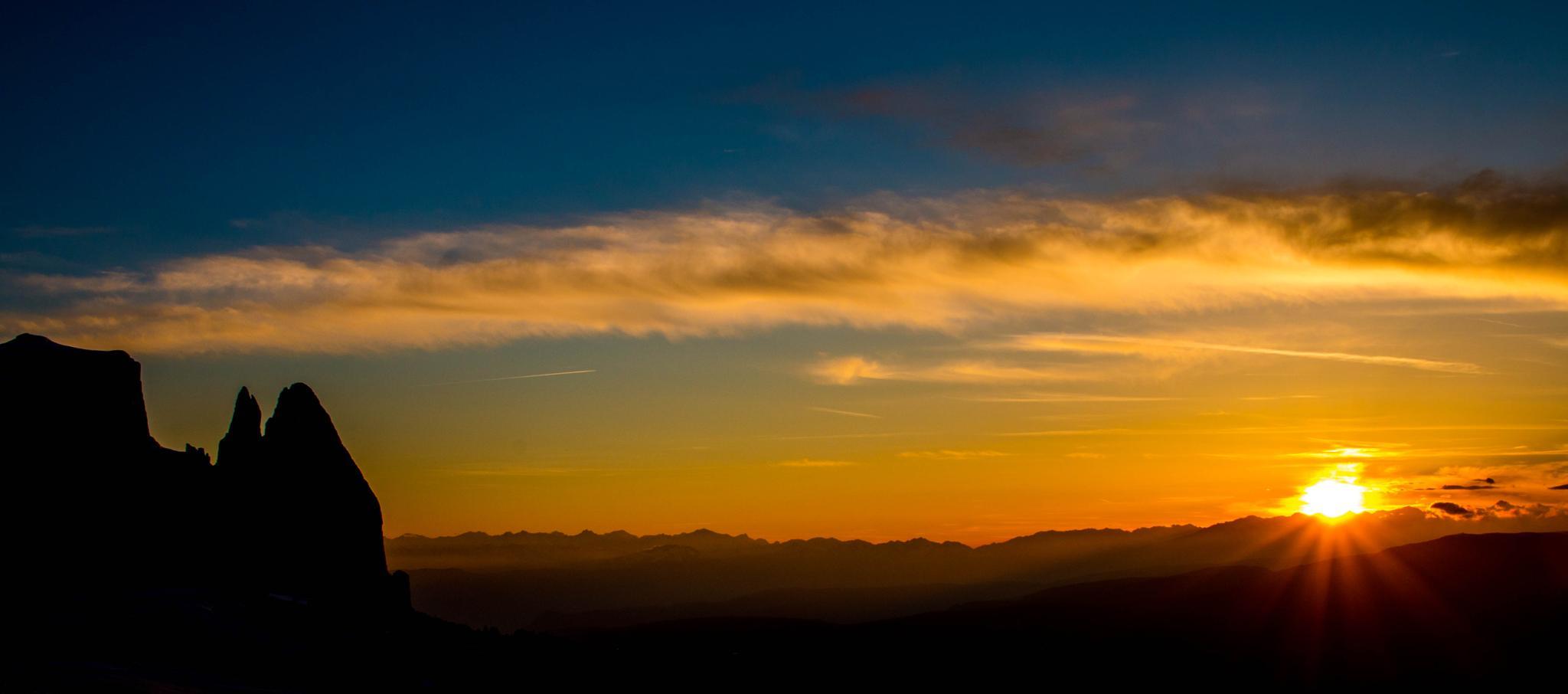 Sunset Schlern by romenstefan