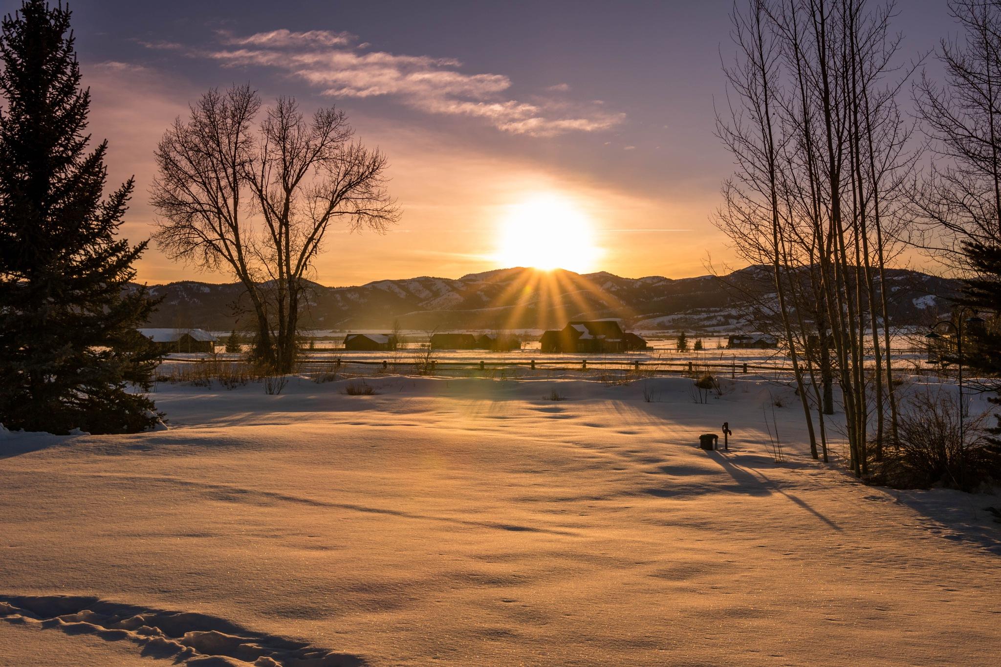 Sun Kissing Peak by drchad480