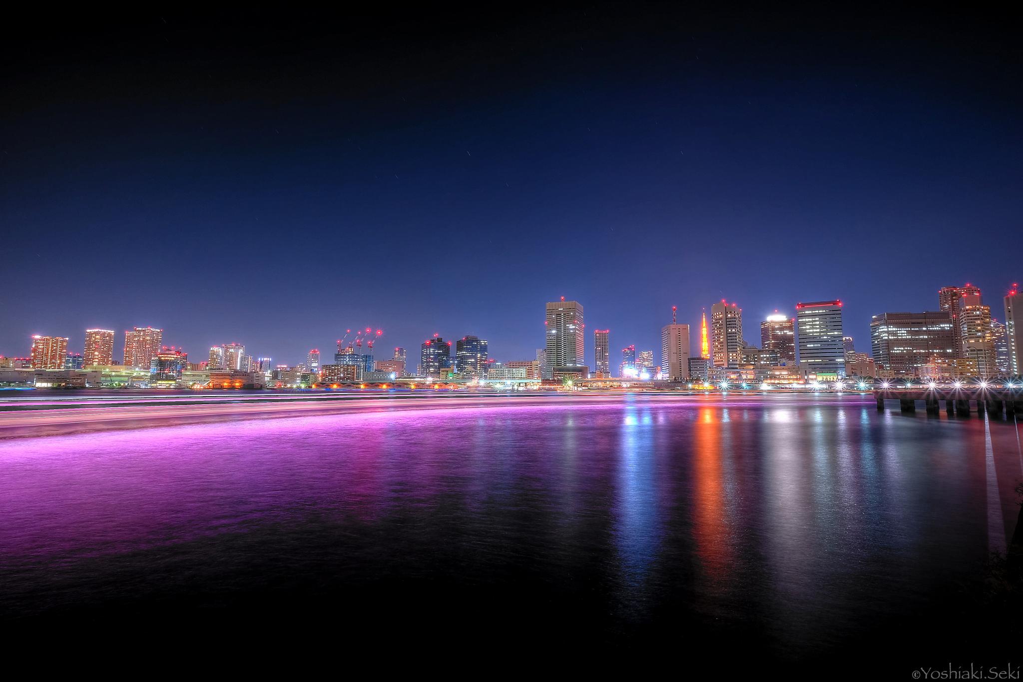 Night of the rainbow that is drawn in Tokyo Bay by Yoshiaki Seki