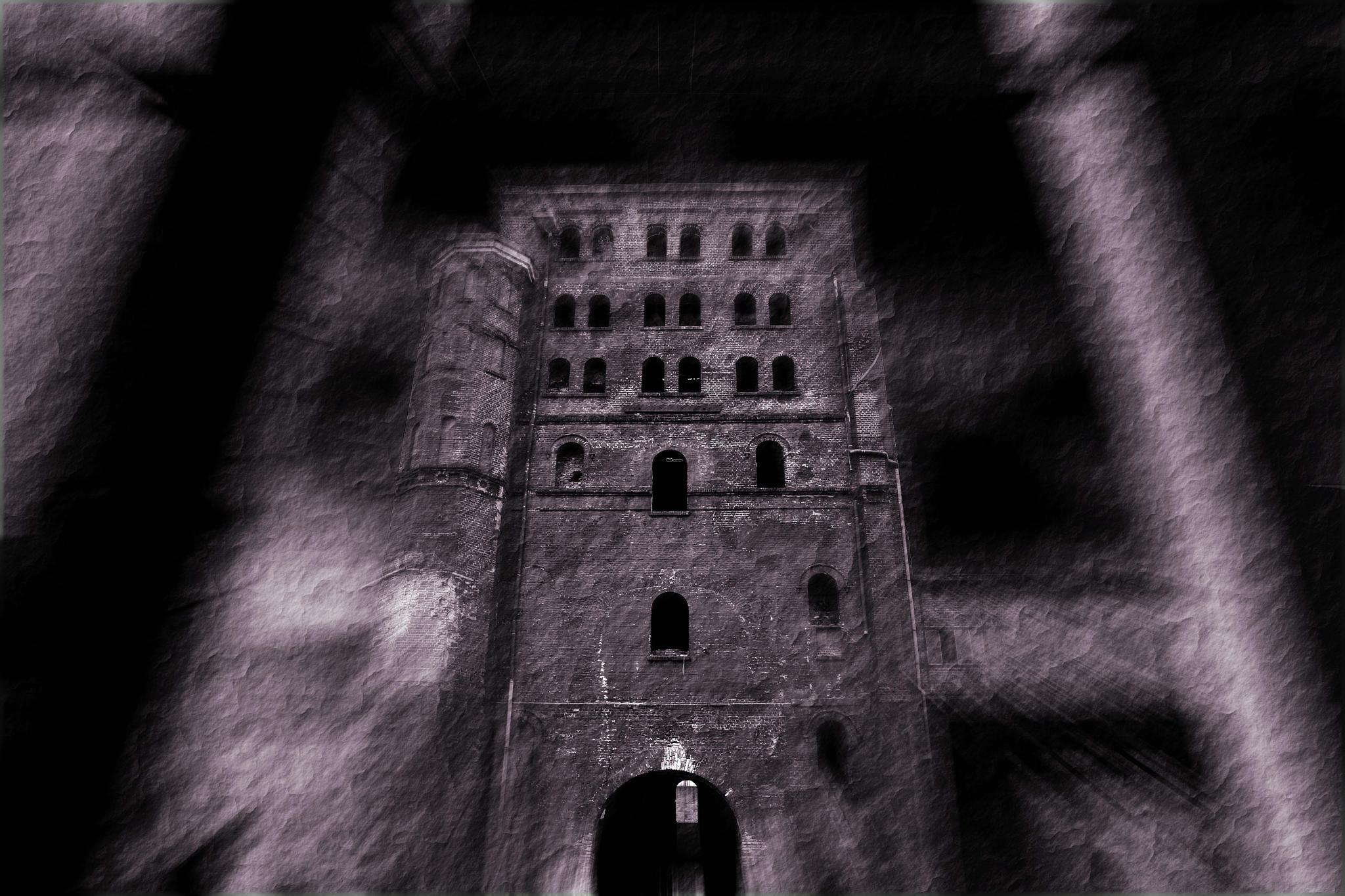 haunted house by Jürgen Cordt