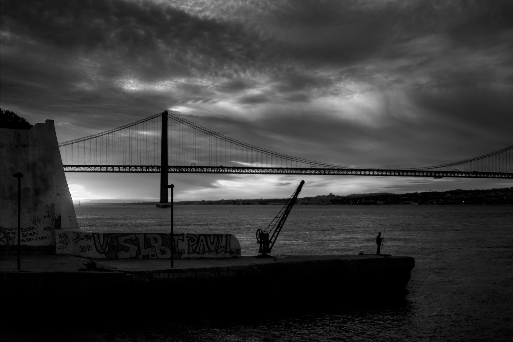 Fishing@sunset by Joaquim Gaspar