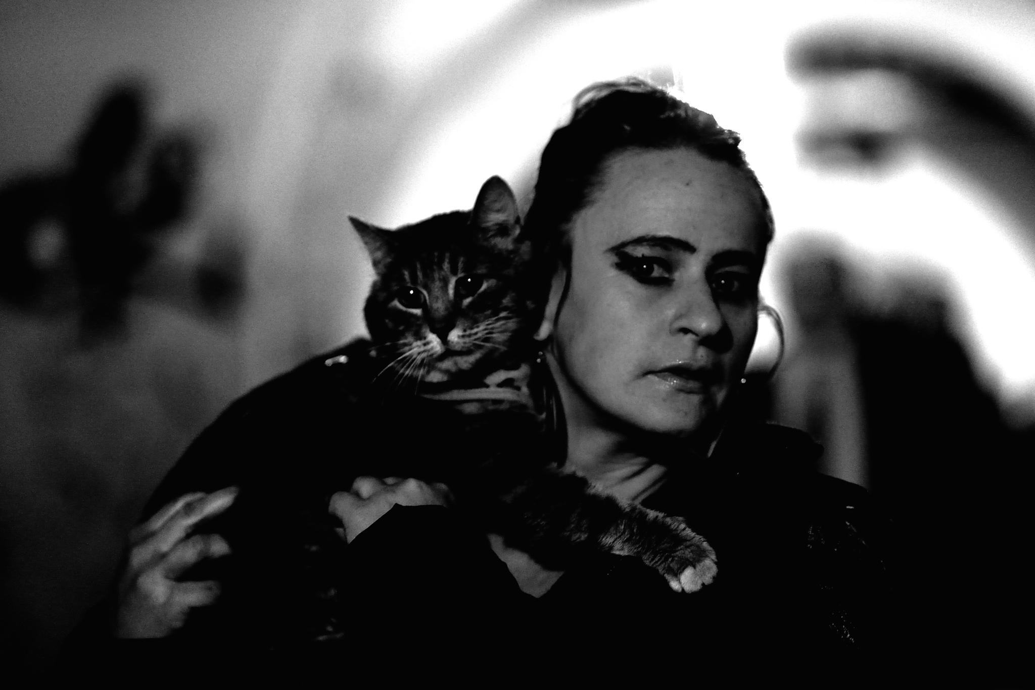 Kobieta Kot by Piotr Krzyżanowski