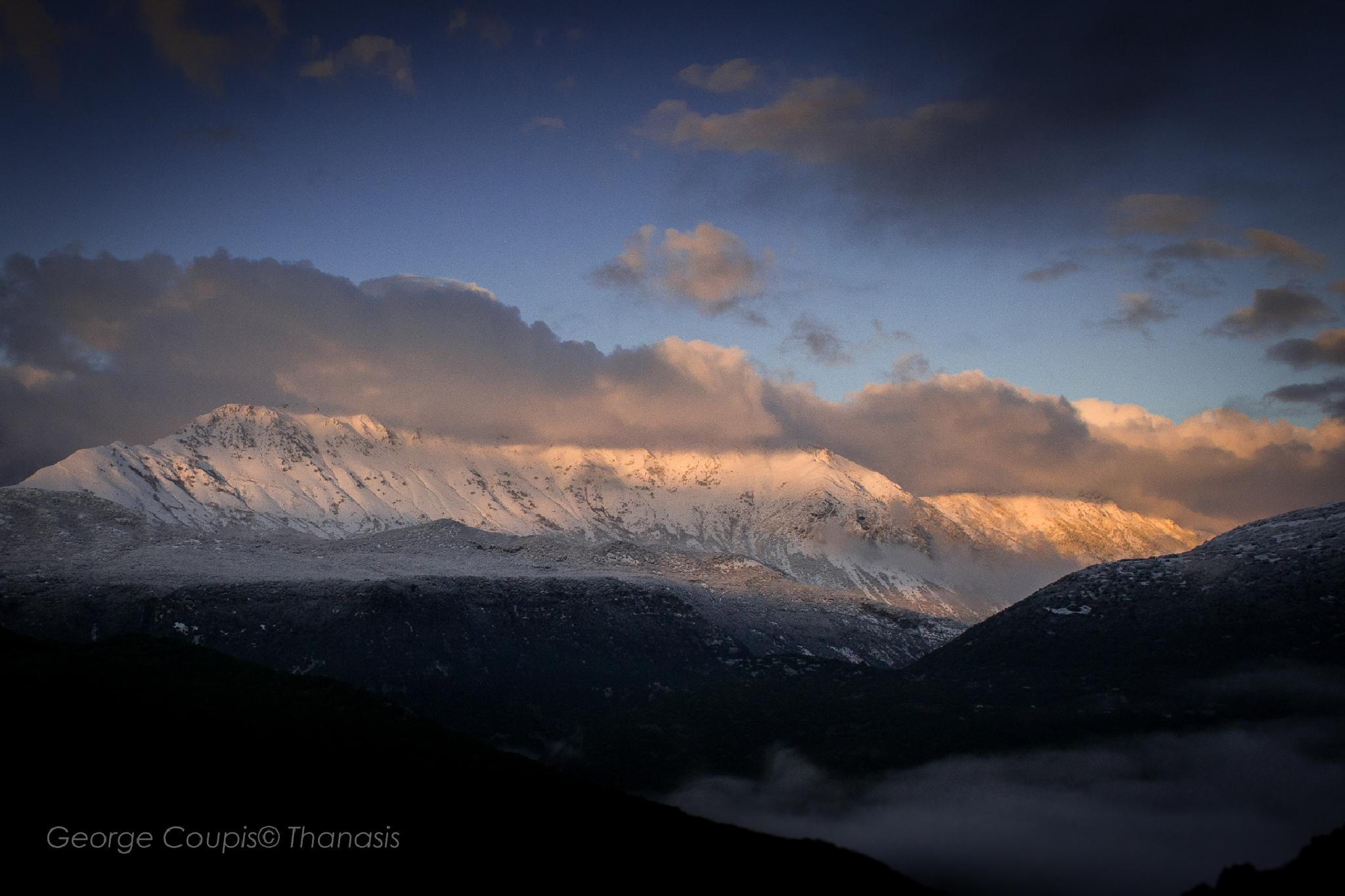 Pure white by George Thanasis