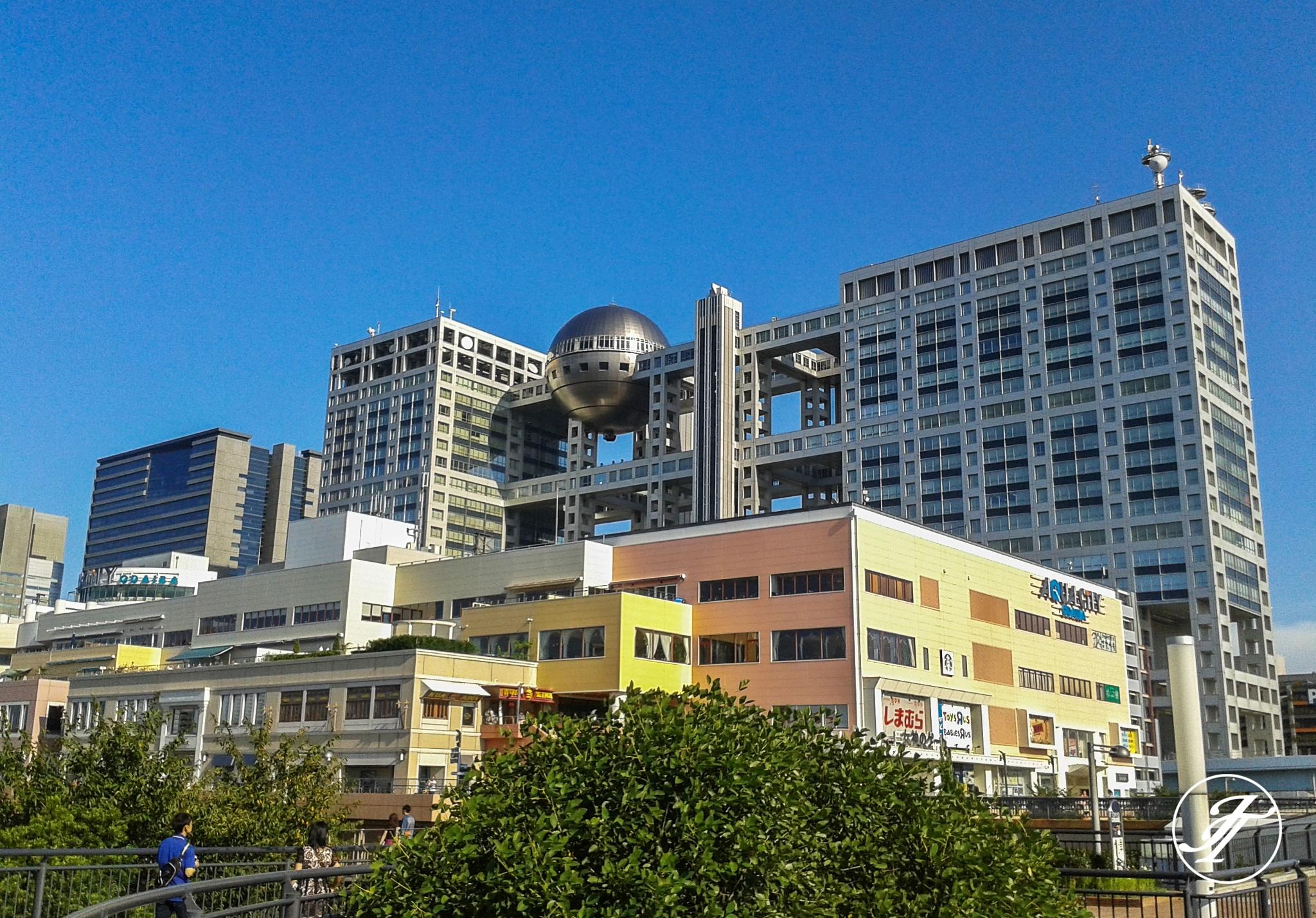 Fuji TV Building by Kenzo Tange by Jasmin
