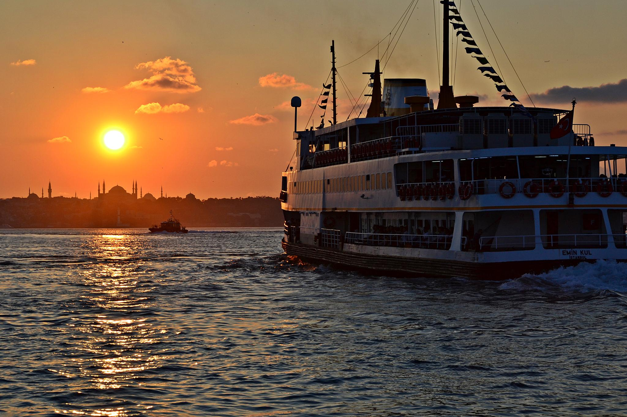 Another sunset in Istanbul. by A.Hikmet Karaca