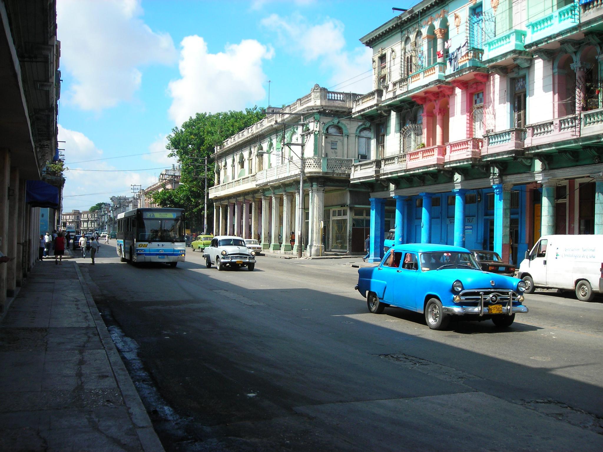 Trafico en La Habana by xemariagil