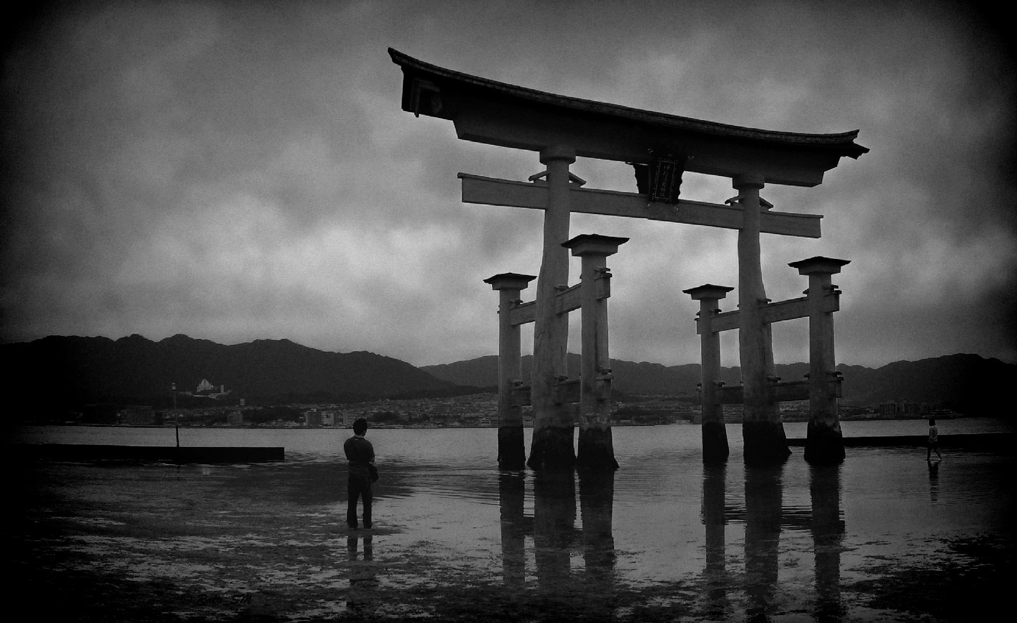 Itsukushima Shrine by RafaelSM