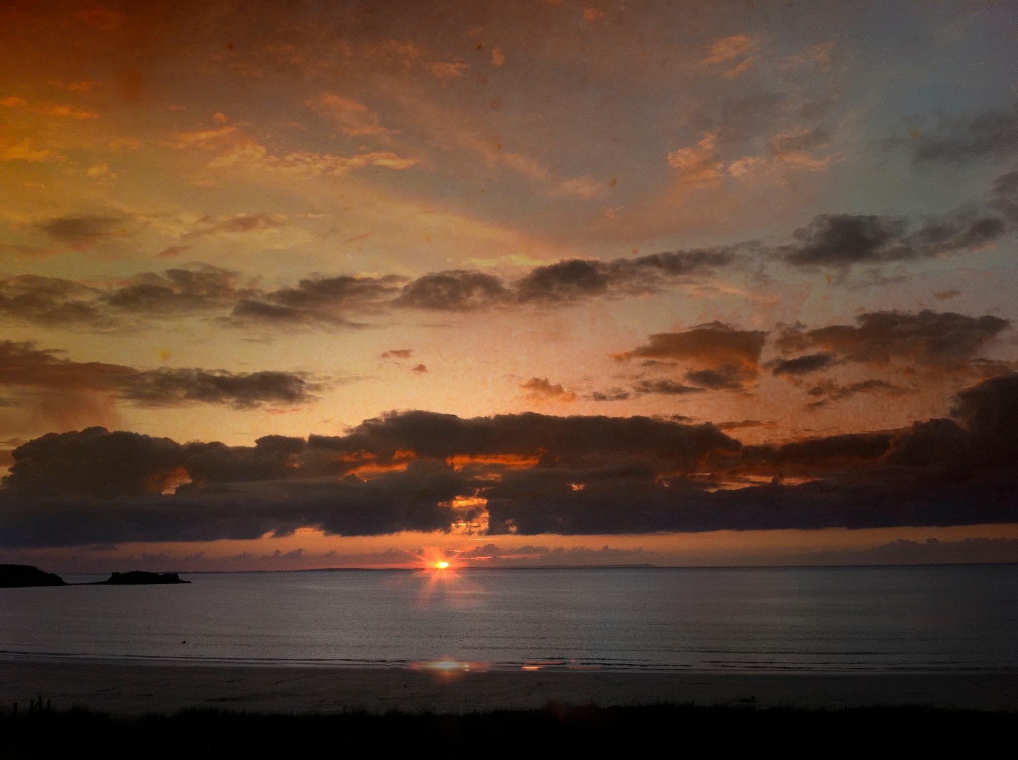 Sundown by tonyjoe.gardner