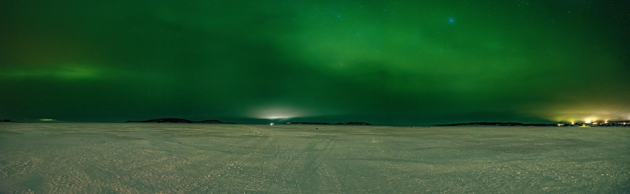 Northen Lights Pano by bob55