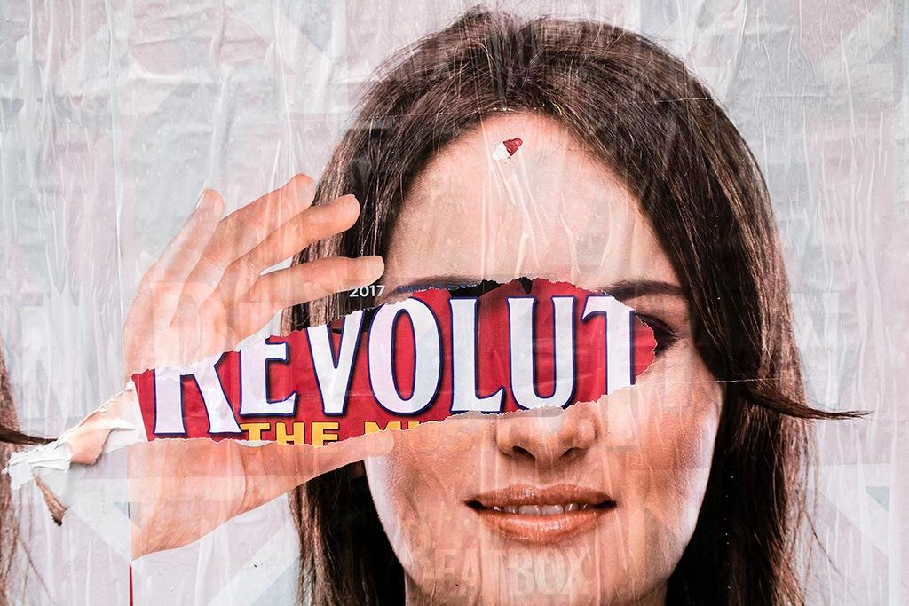 Revolution. by cesaresalvadeo