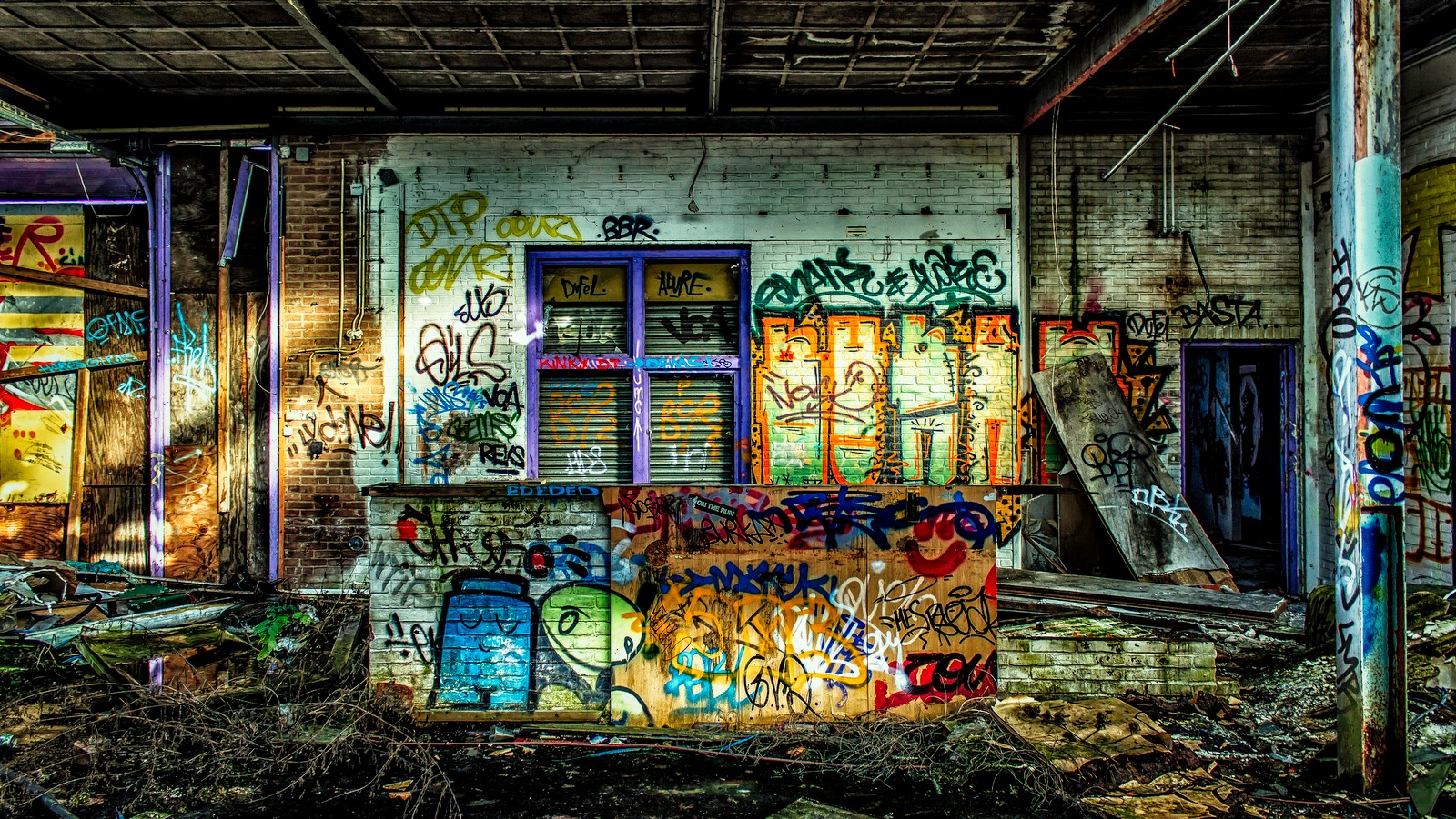 Tag Bombing by Pieter de Knijff Photography