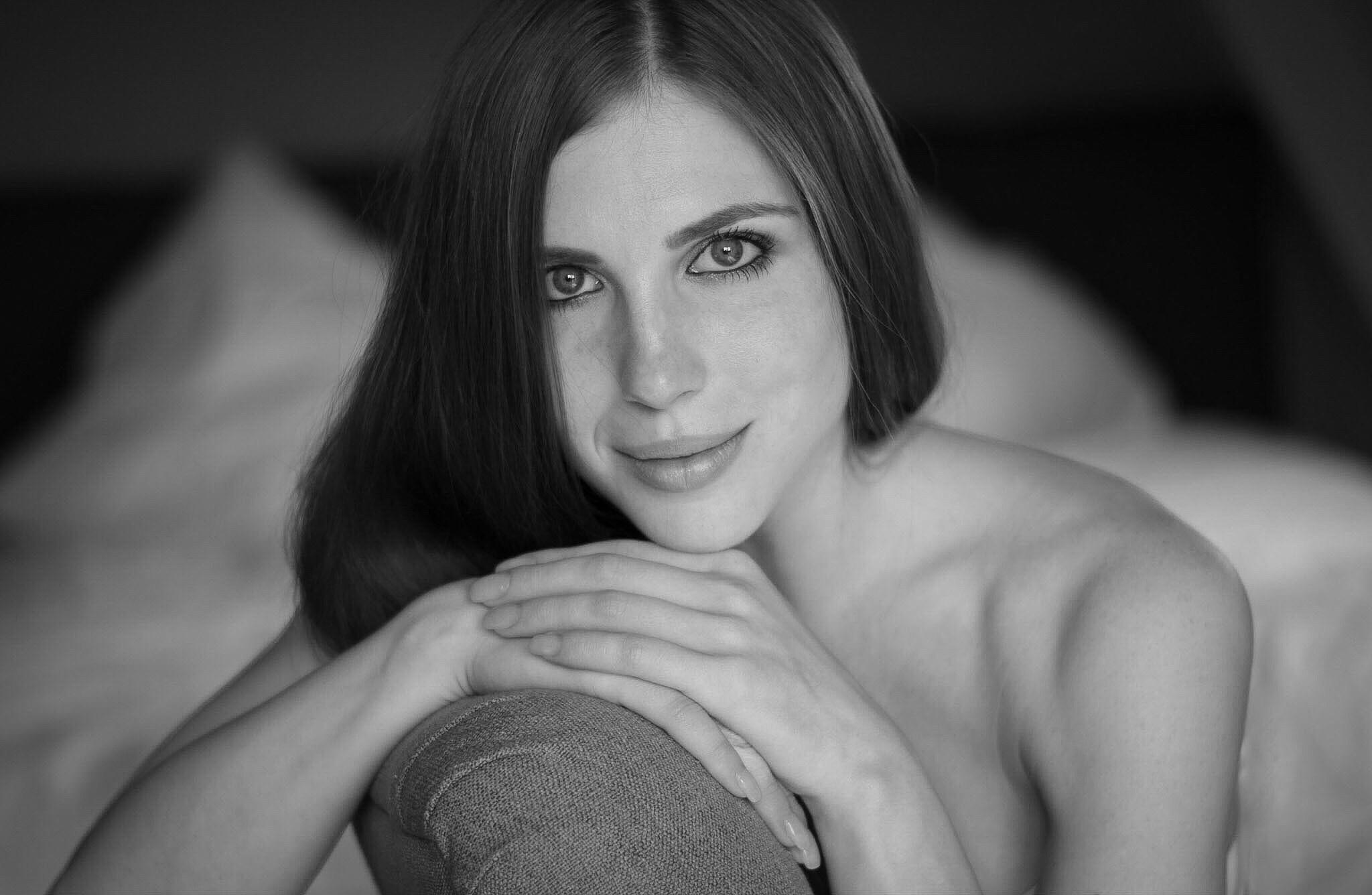 Miss Iris by Bernie Lamberz photography