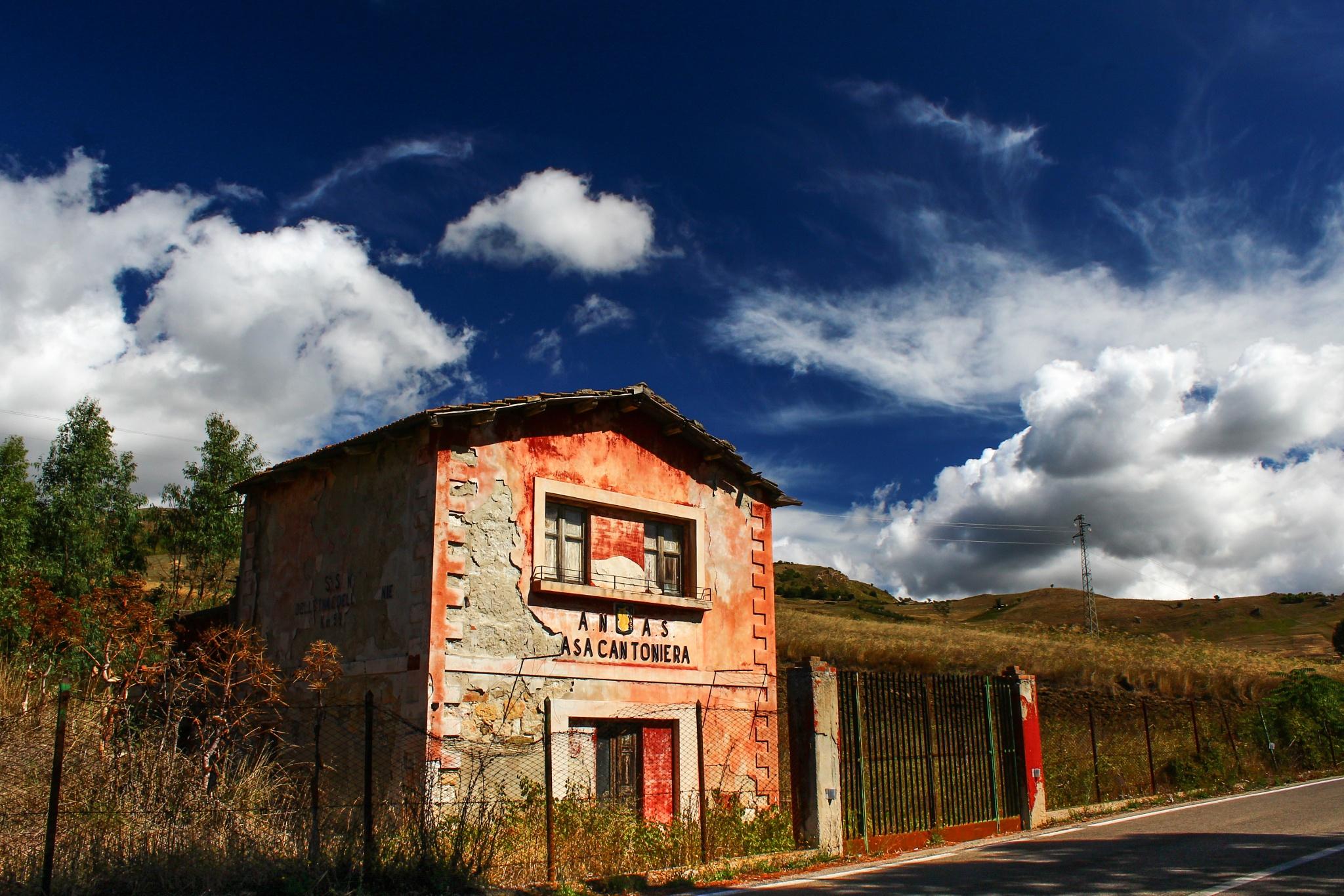 un antico casello by Tommaso
