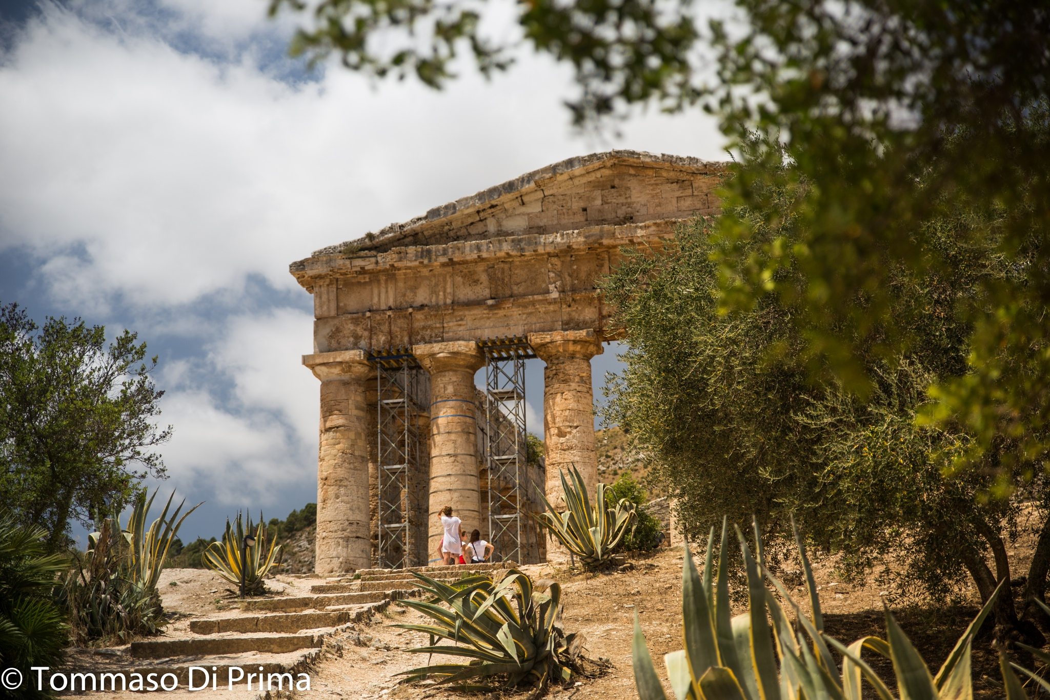 un antico tempio by Tommaso
