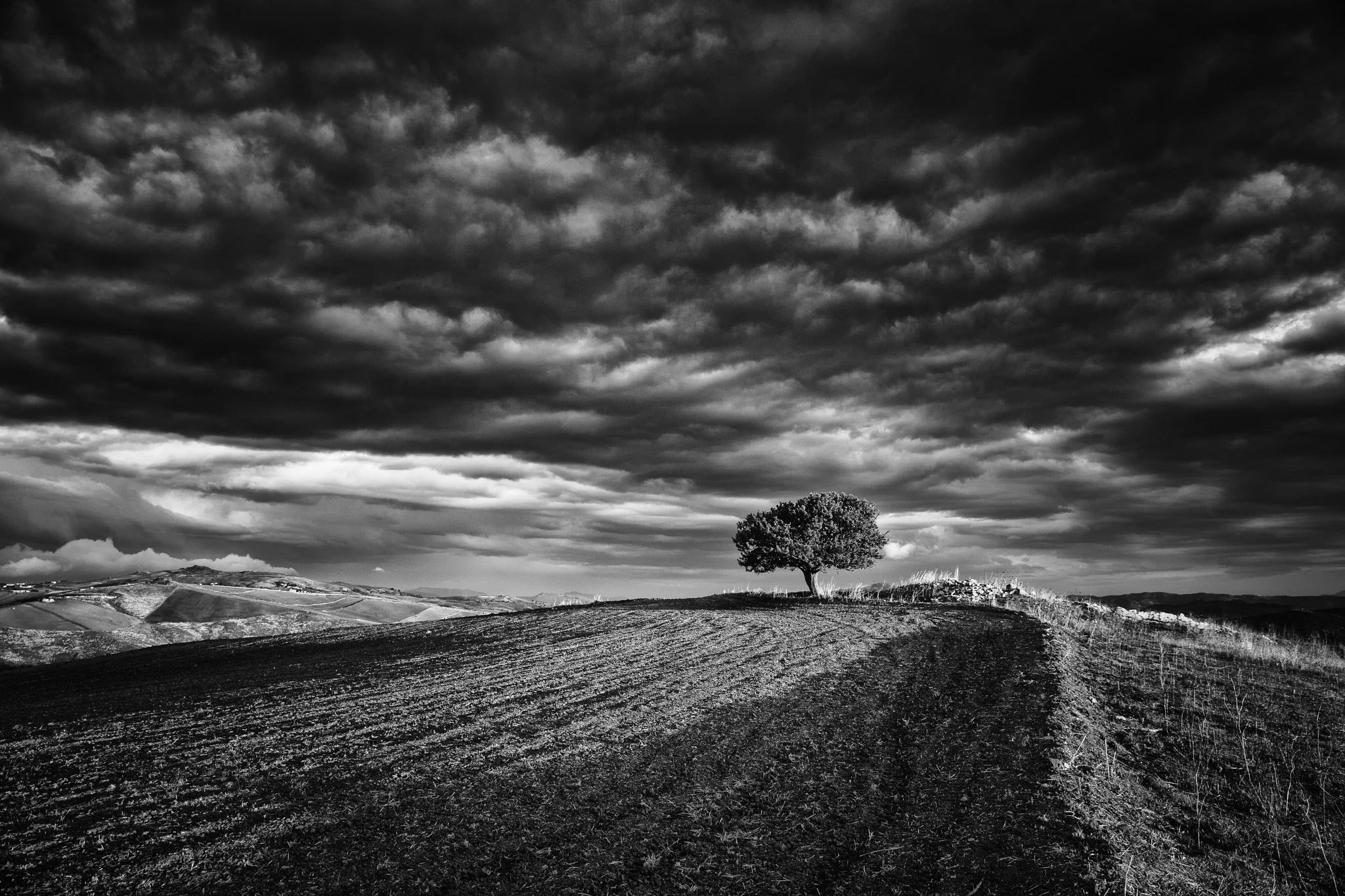 L'ABBANDONO... by Tommaso