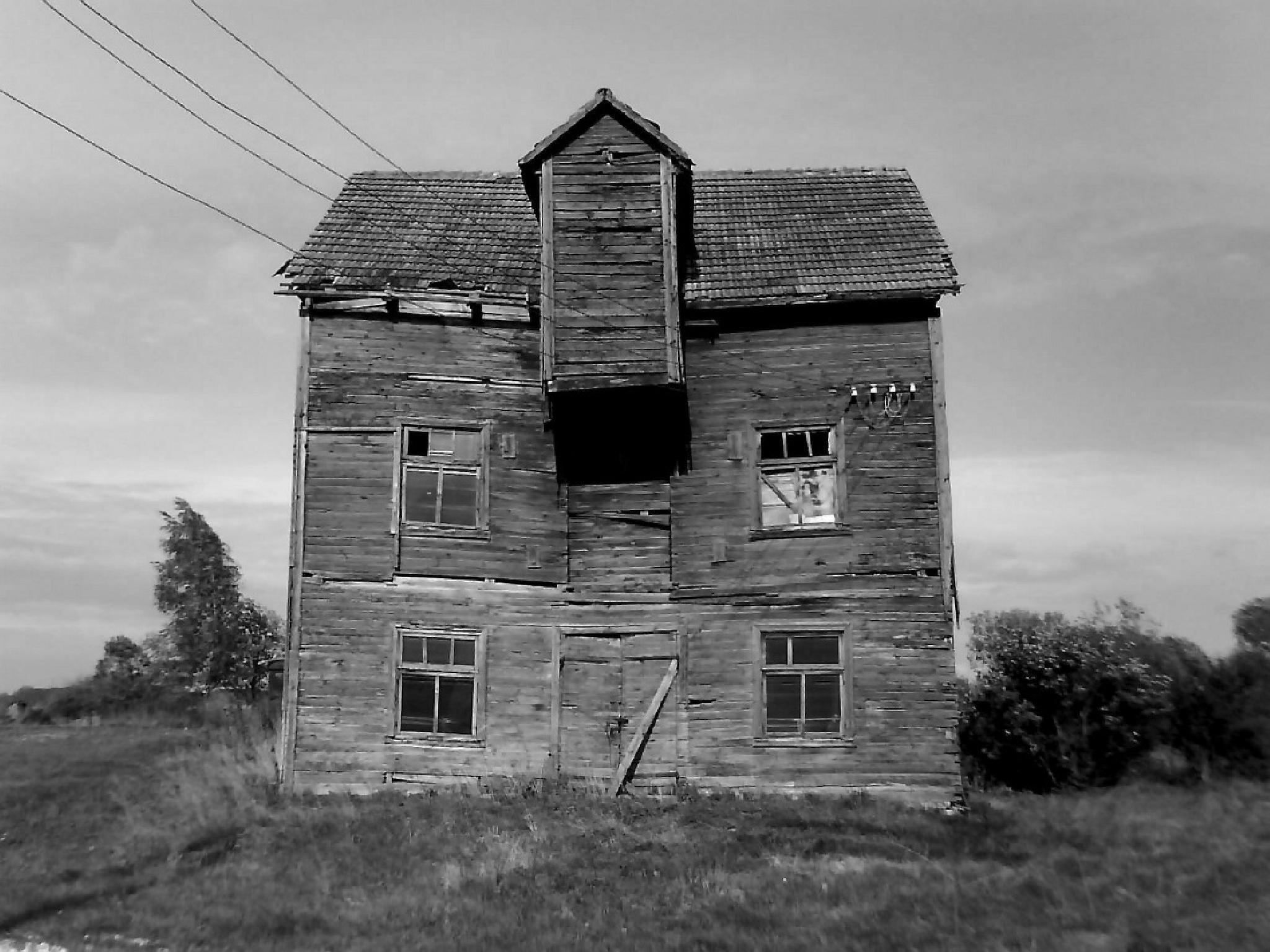 -ghost house- by rytis.vilnietis