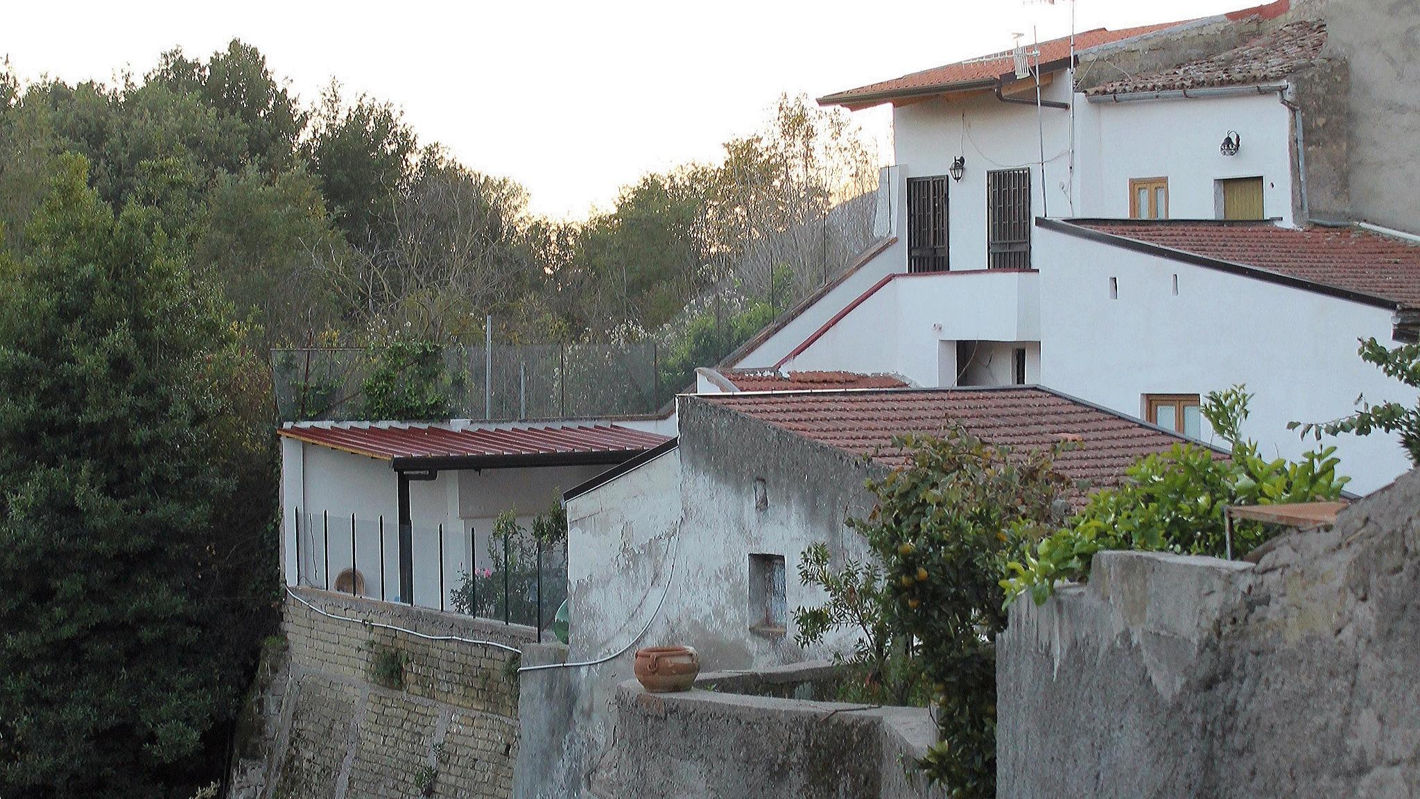 Carinola. Scorcio del borgo by Salvatore Bertolino