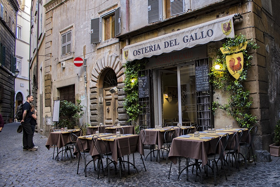 Roma by Salvatore Bertolino