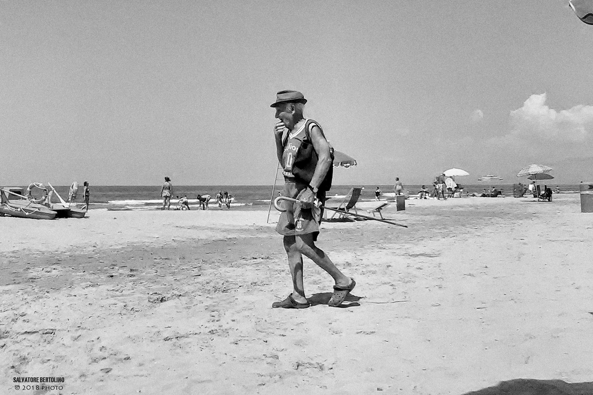 Spiaggia by Salvatore Bertolino