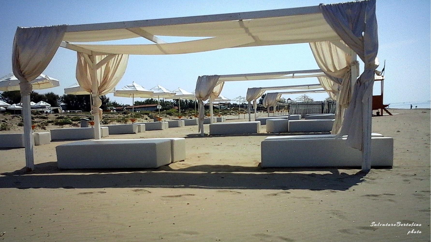 Mondragone. La spiaggia by Salvatore Bertolino