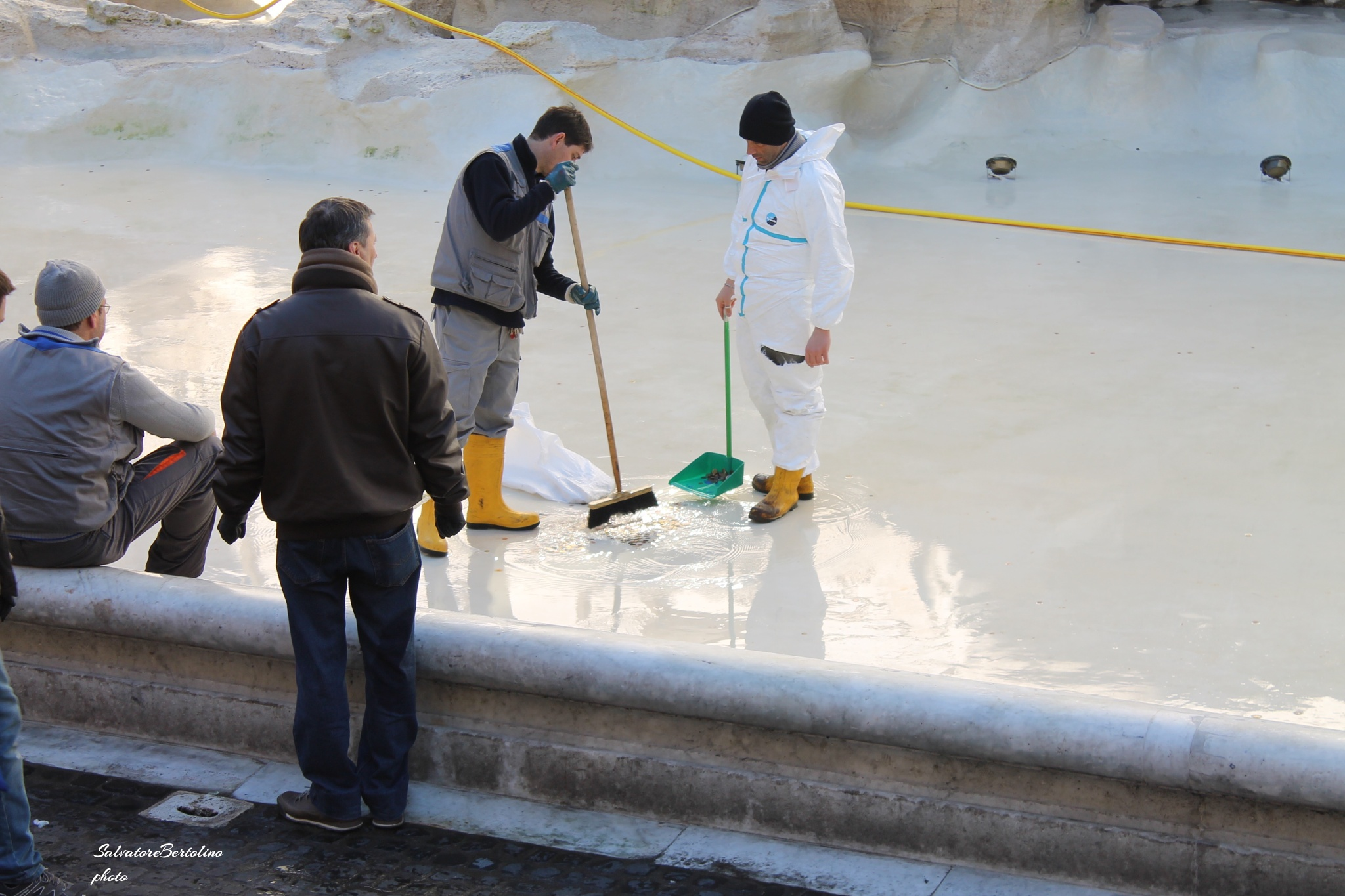 Fontana di Trevi: lavori in corso! by Salvatore Bertolino