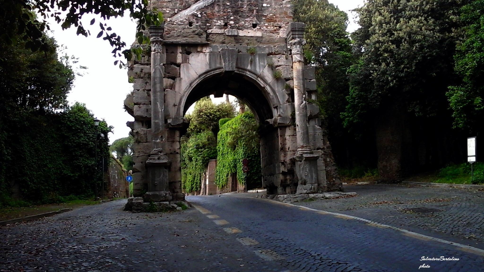 Roma. L'arco di Druso sull'Appia antica by Salvatore Bertolino