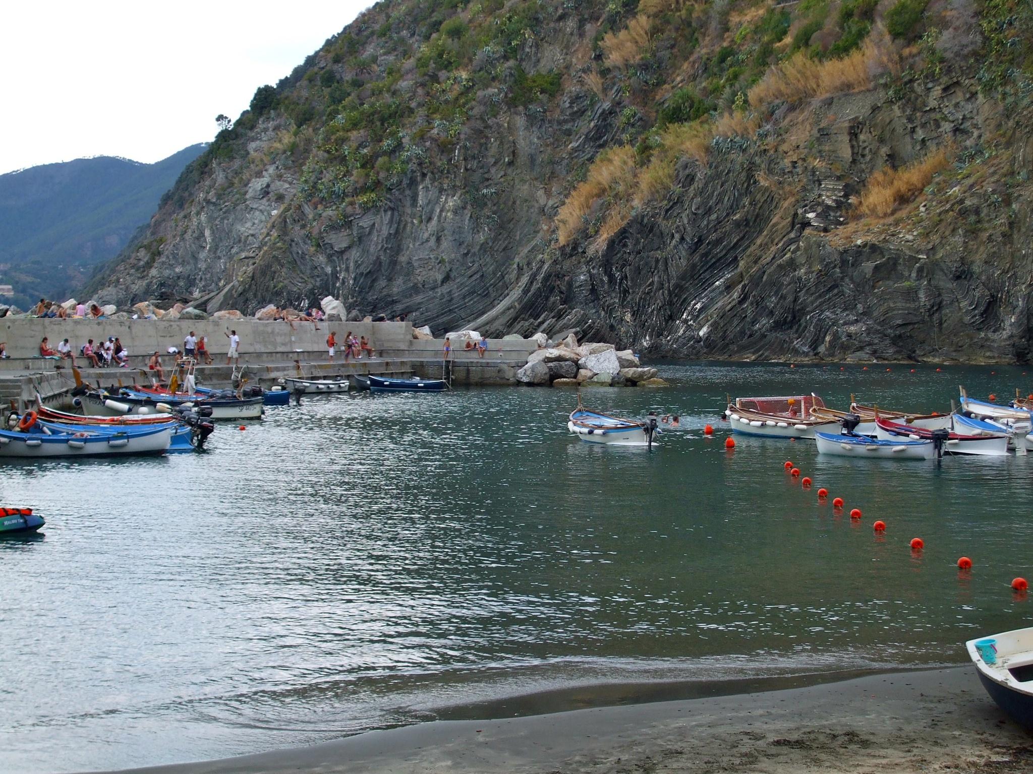 La costa ligure by Salvatore Bertolino
