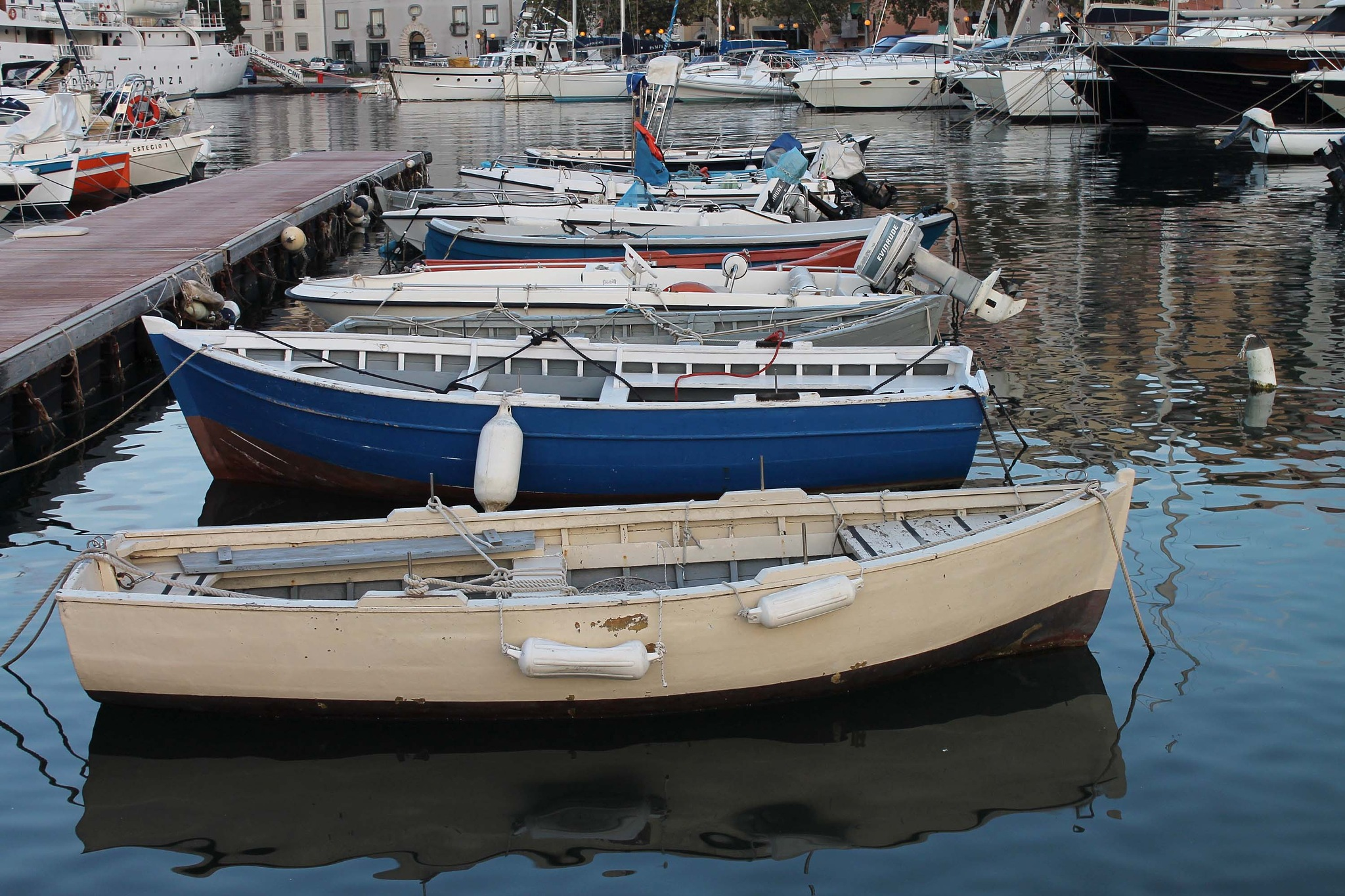 Porto di Gaeta by Salvatore Bertolino