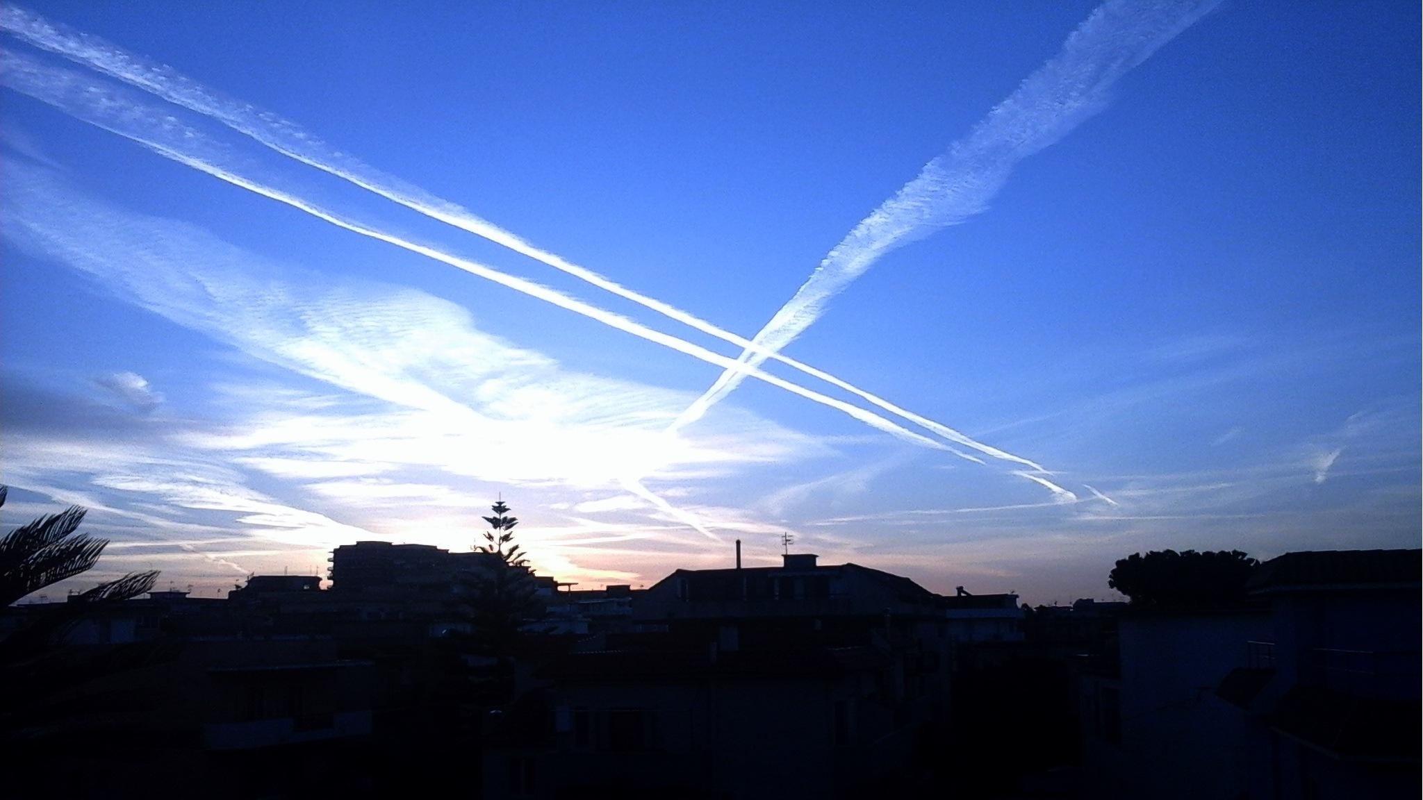 Mondragone. L'alba del 24 ottobre 2016, ore 7,35 by Salvatore Bertolino