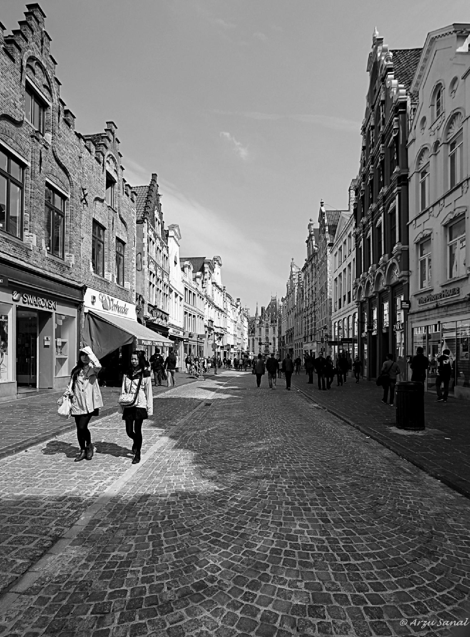 Streets of Brugge ... ... ... by Arzu SANAL