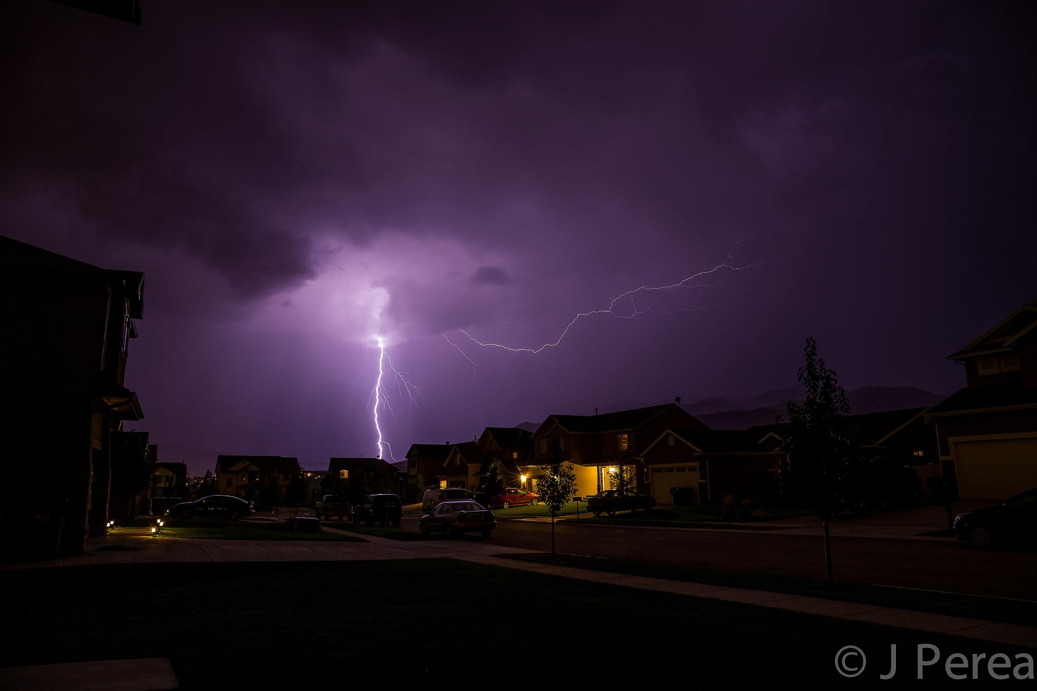 Lightning by Raw Image