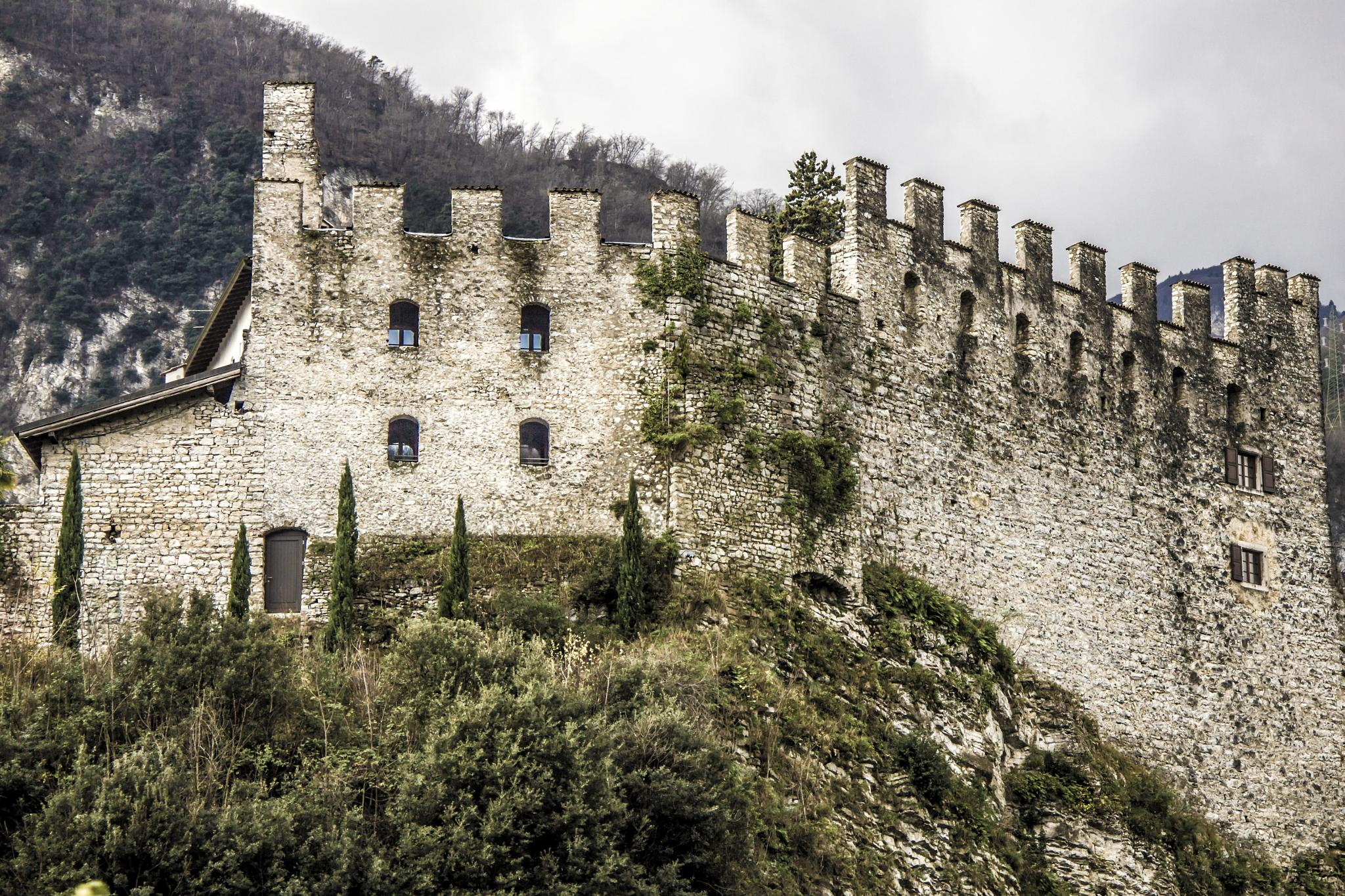 Castle by romeoinside