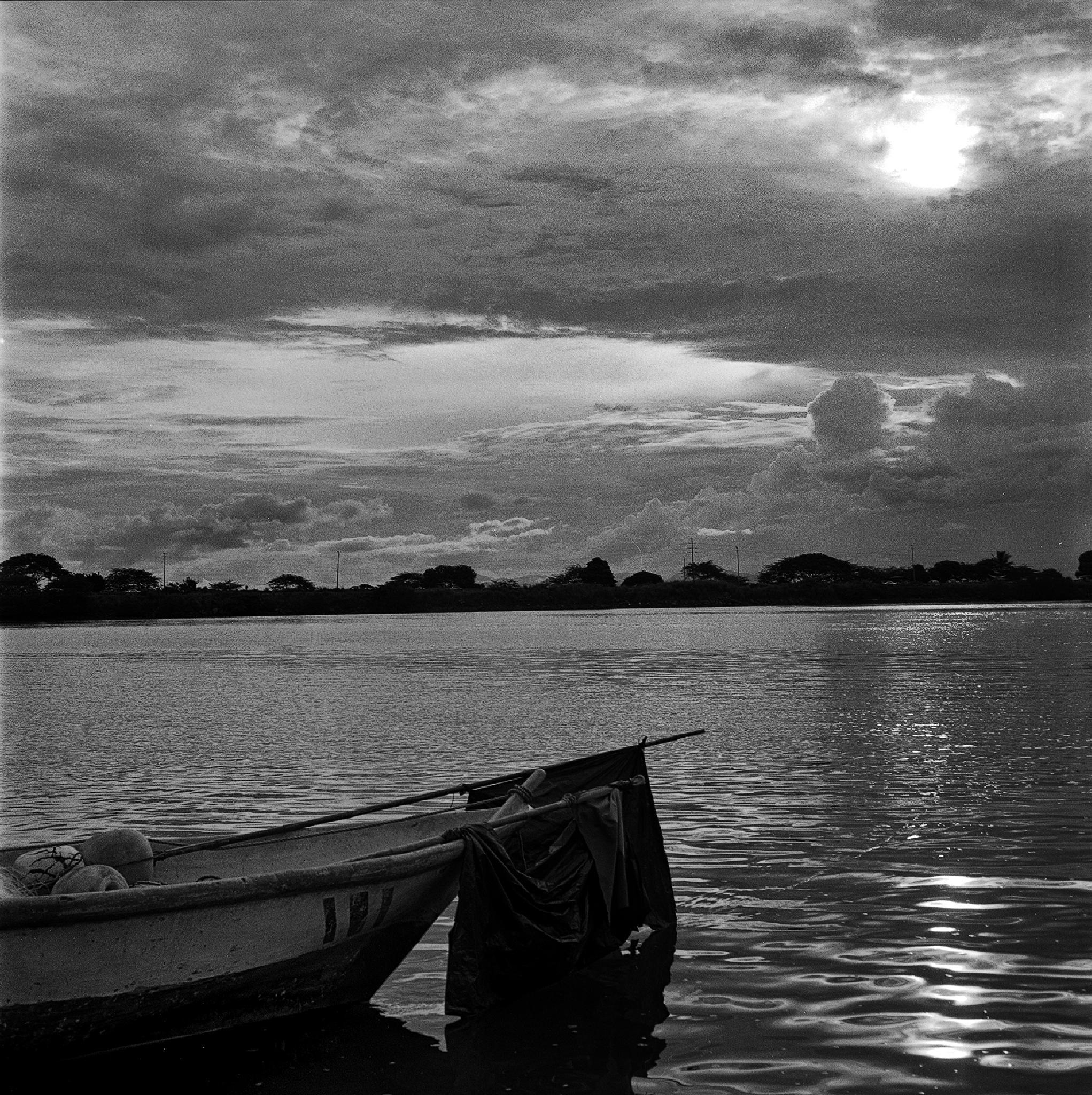 Boat in Puntarenas by Alejandro Montiel