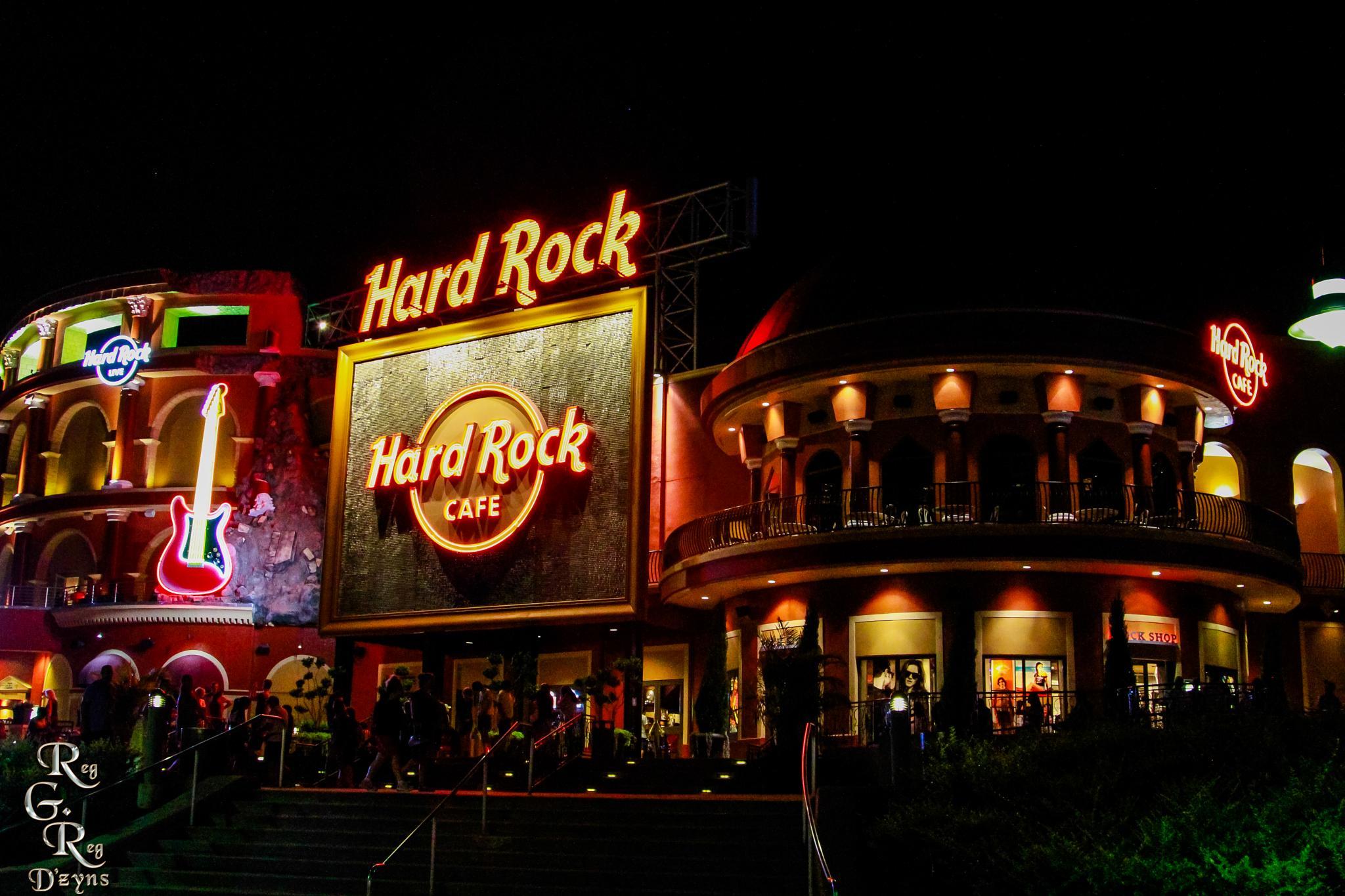 Hard Rock Cafe by RegGRegDzyns