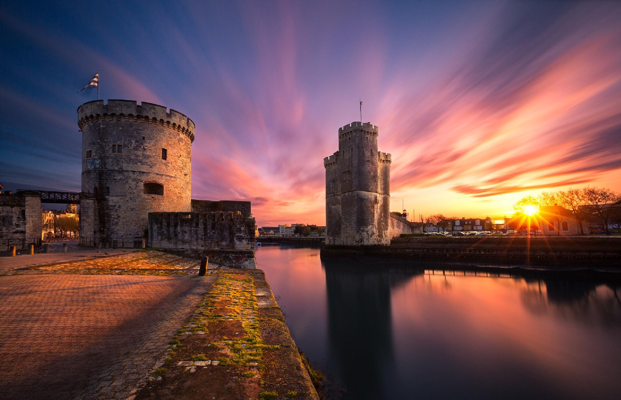 Photo in Cityscape #sunrise #la rochelle #harbor