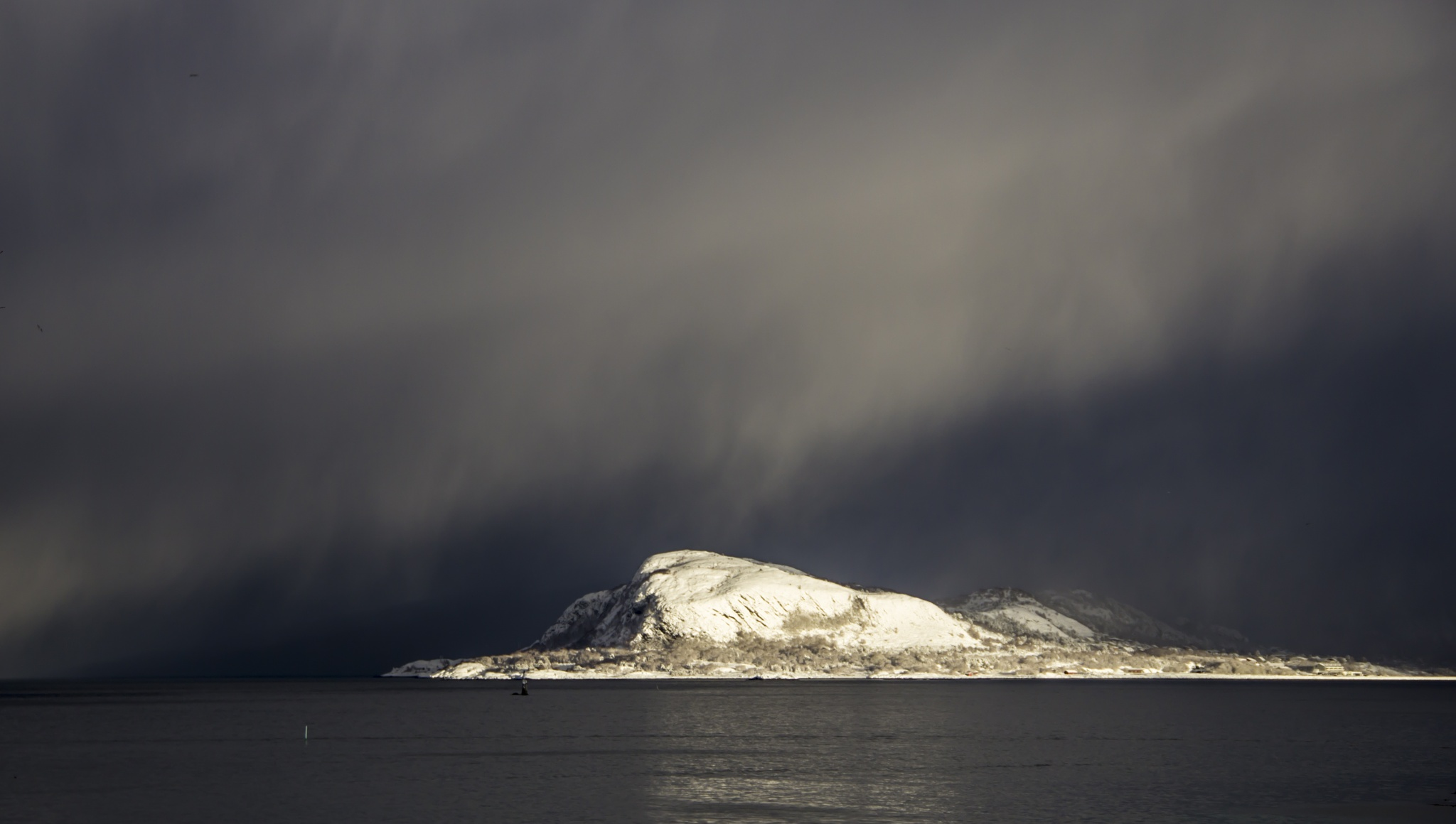 Snow coming by Line Glomseth